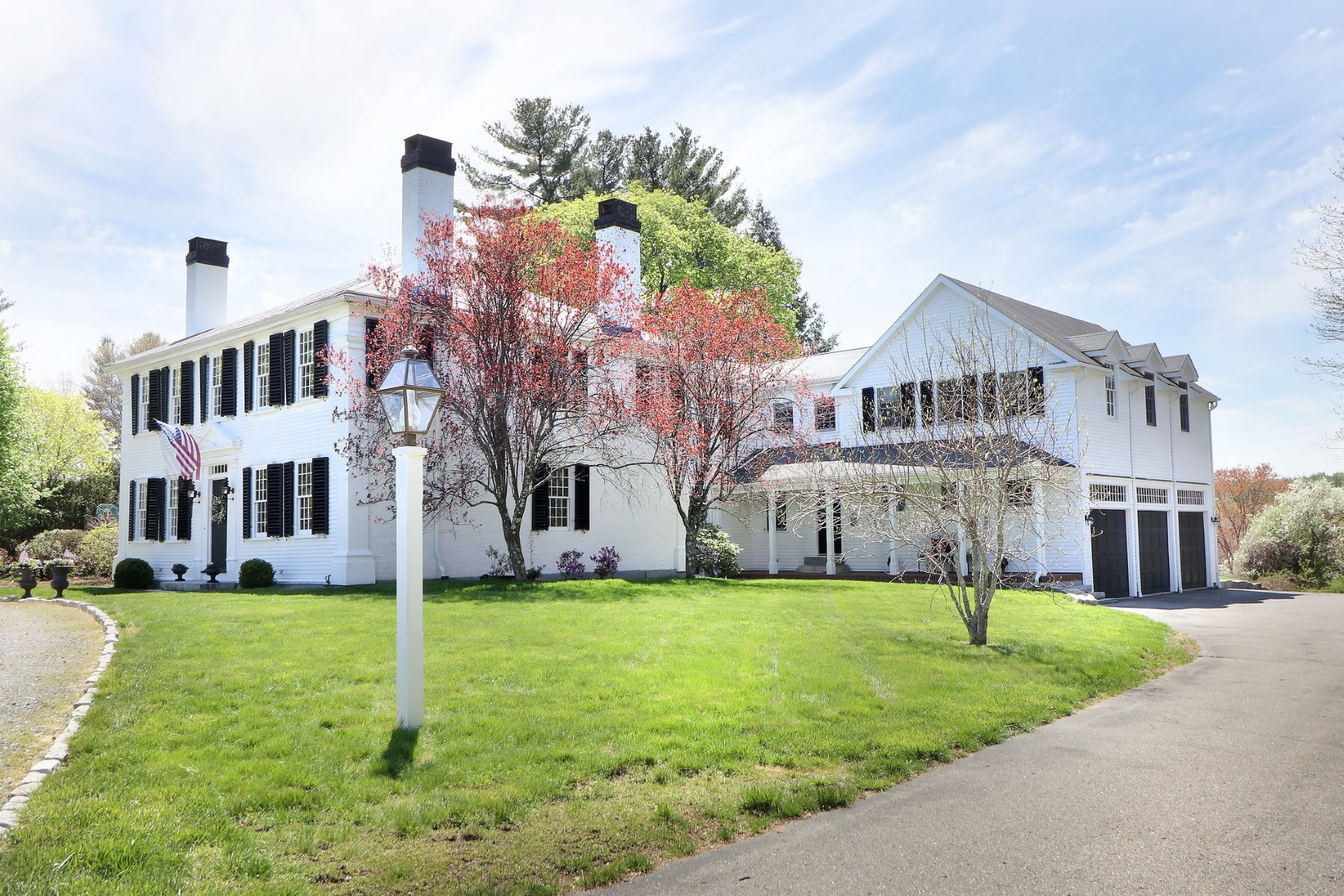 Single Family Home for Sale at Gracious Living - Timeless 107 Westford Road Concord, Massachusetts, 01742 United States
