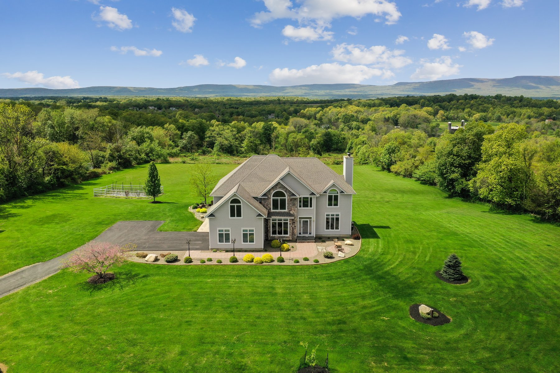Single Family Homes for Sale at Scenic Tranquility 144 Meadowood Rd. Montgomery, New York 12549 United States