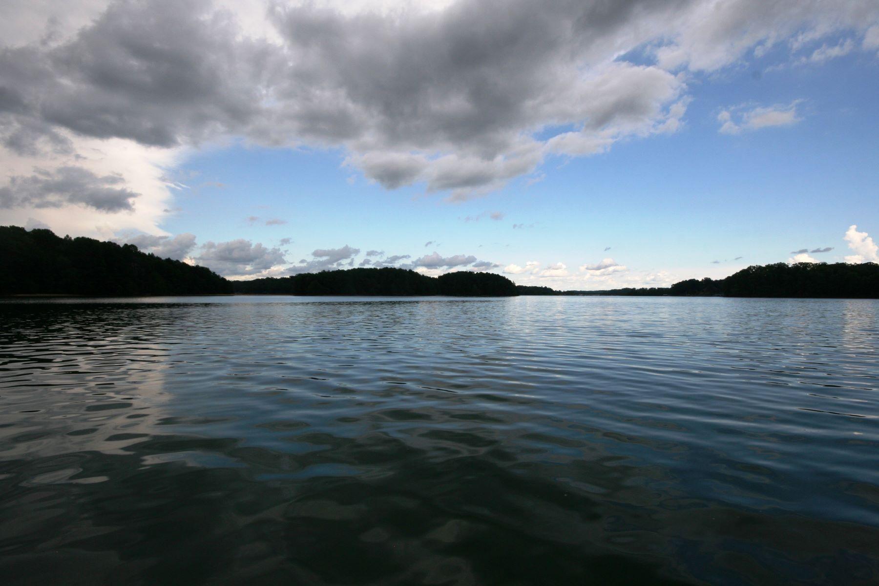 أراضي للـ Sale في Lake Keowee Views! Lot 6 of Barefoot Bay, West Union, South Carolina, 29696 United States