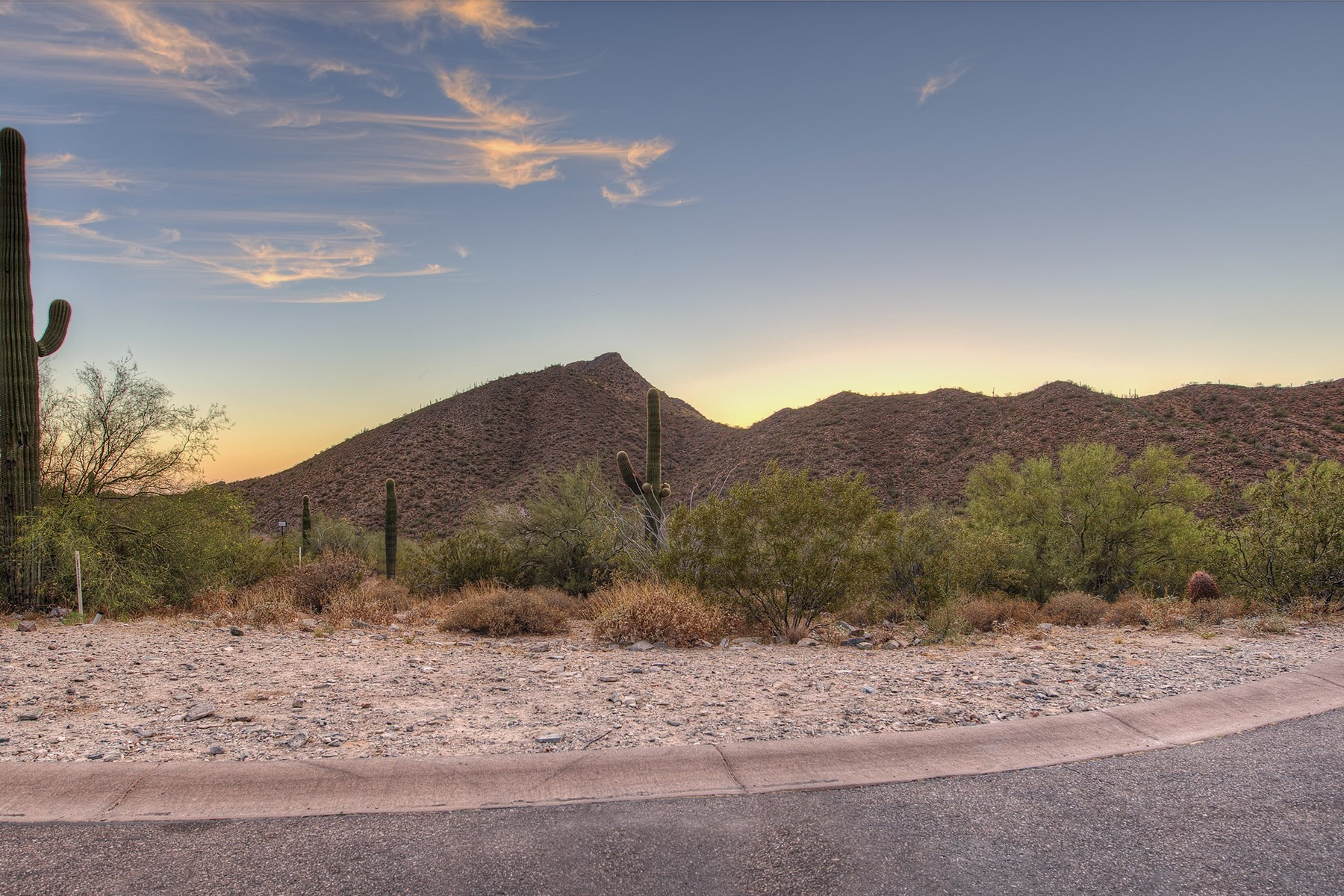 Terreno por un Venta en Easy-build private lot with picturesque canyon views 21524 N 110th Pl #1827 Scottsdale, Arizona, 85255 Estados Unidos