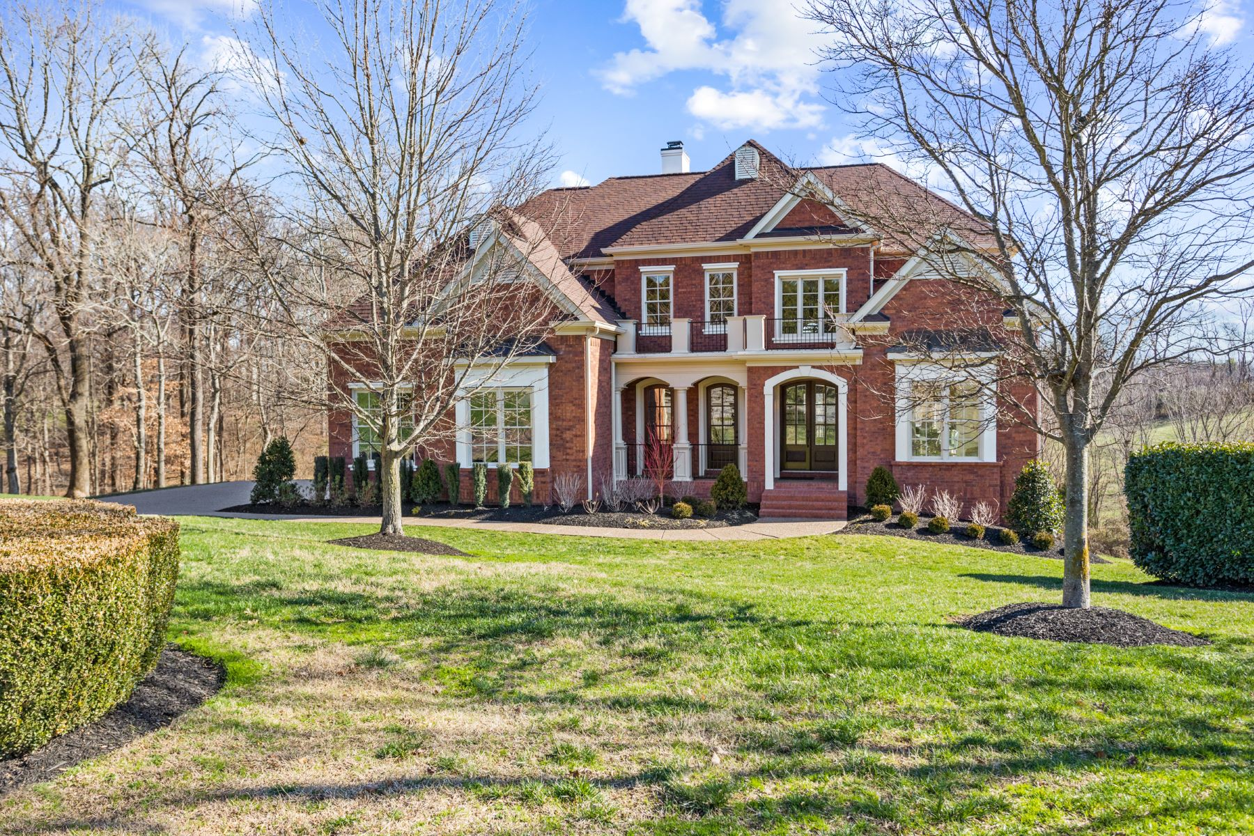 Single Family Homes for Active at Beautifully Renovated Prestwick Place 6 Prestwick Place Brentwood, Tennessee 37027 United States