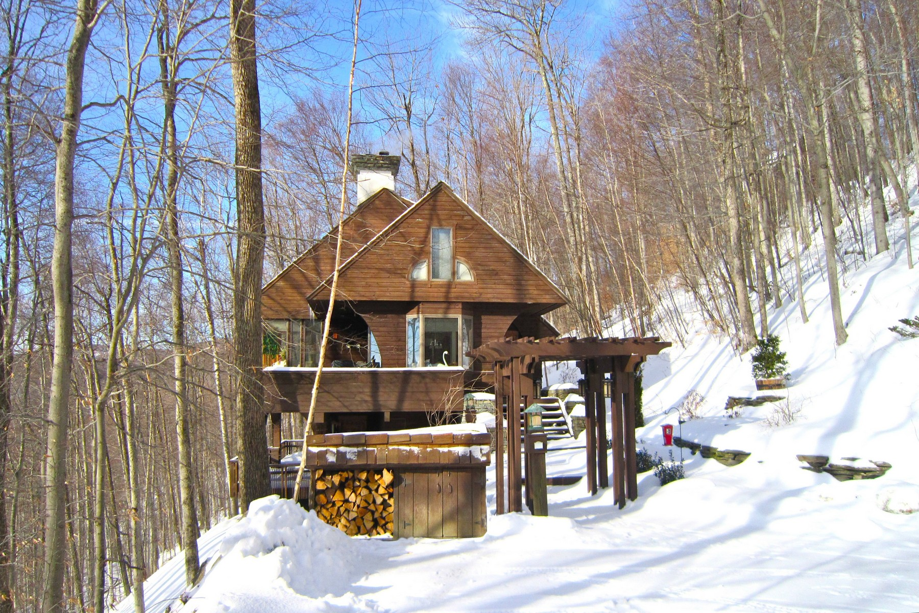 Single Family Home for Sale at Inspiring Views 151 Osprey Pl Plymouth, Vermont 05056 United States