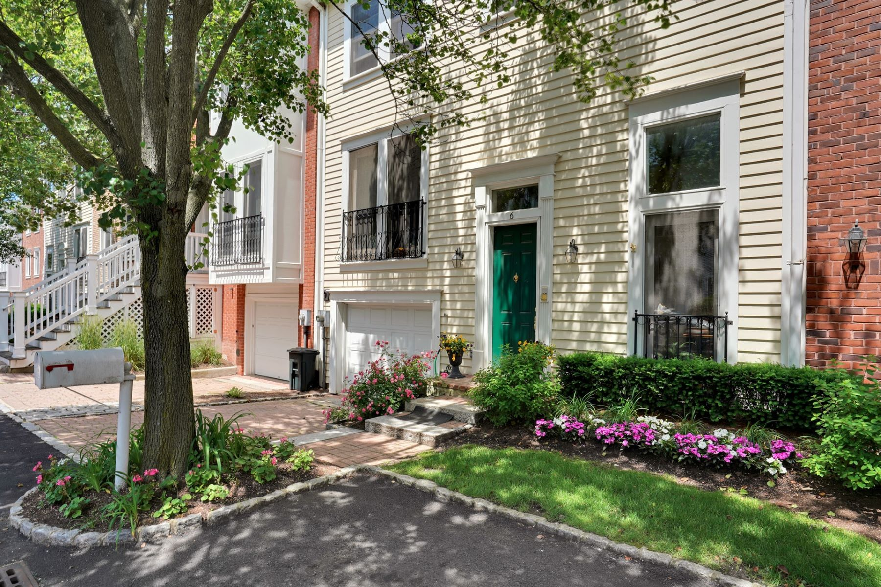 townhouses for Sale at Georgetown style and elegance are the hallmarks of the Half Moon Isle 6 Halfmoon Isle #TH Jersey City, New Jersey 07305 United States