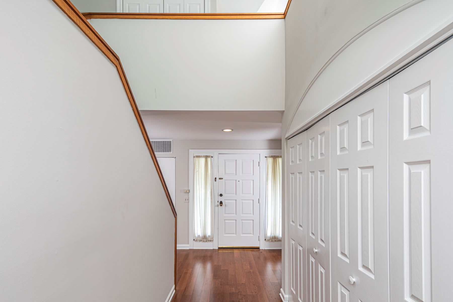 Additional photo for property listing at Quiet Privacy in Constitution Hill 23 Constitution Hill West, Princeton, New Jersey 08540 Amerika Birleşik Devletleri