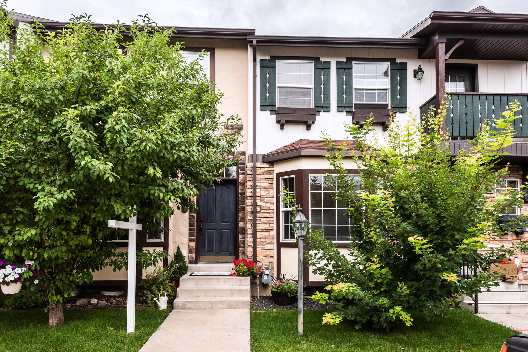 Condominiums for Active at Charming Two Bedroom Condo 857 E Hamlet Circle Midway, Utah 84049 United States