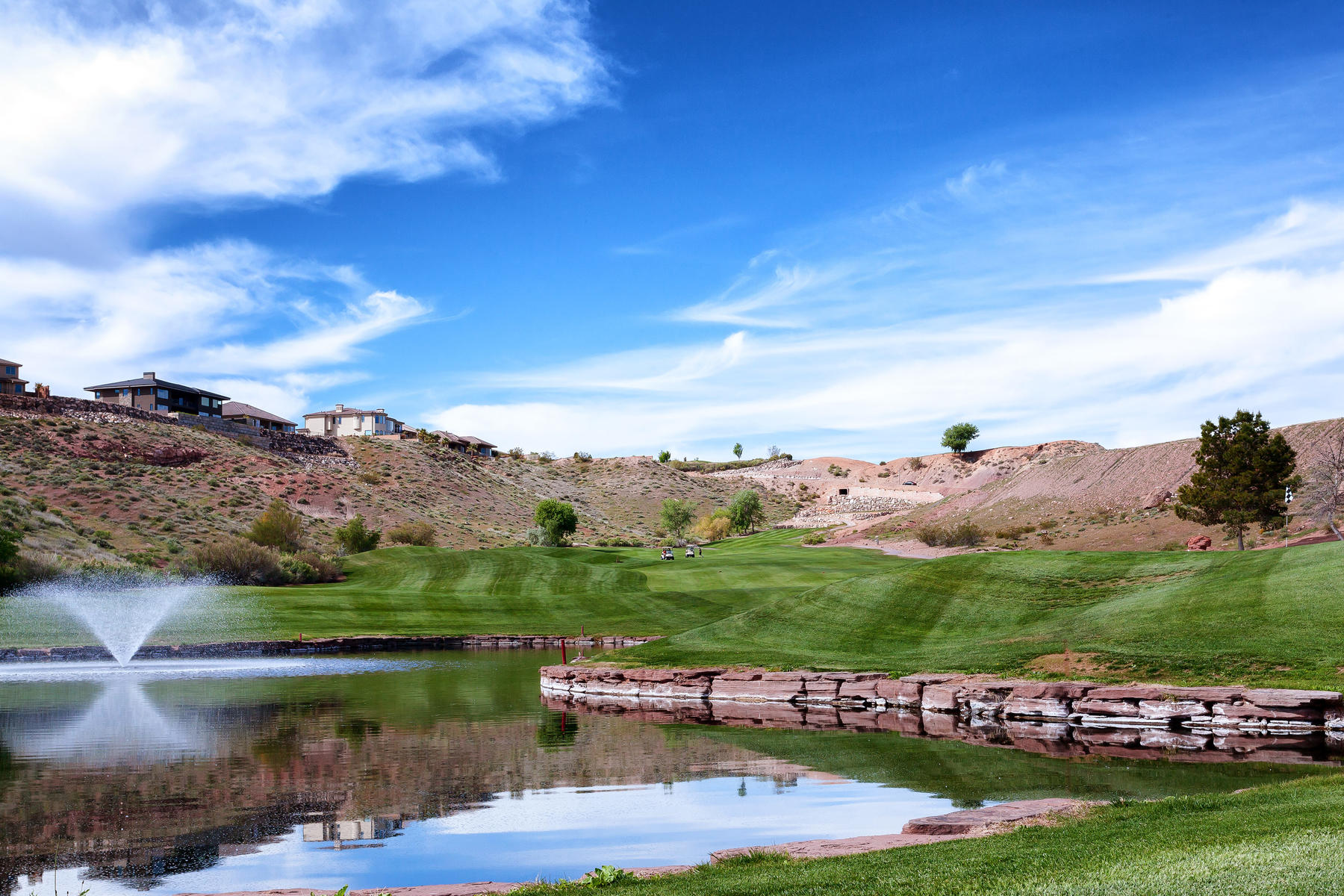Terreno per Vendita alle ore View Lot on Sunbrook Golf Course 335 S Luce Del Sol Dr Lot #10 St. George, Utah, 84770 Stati Uniti