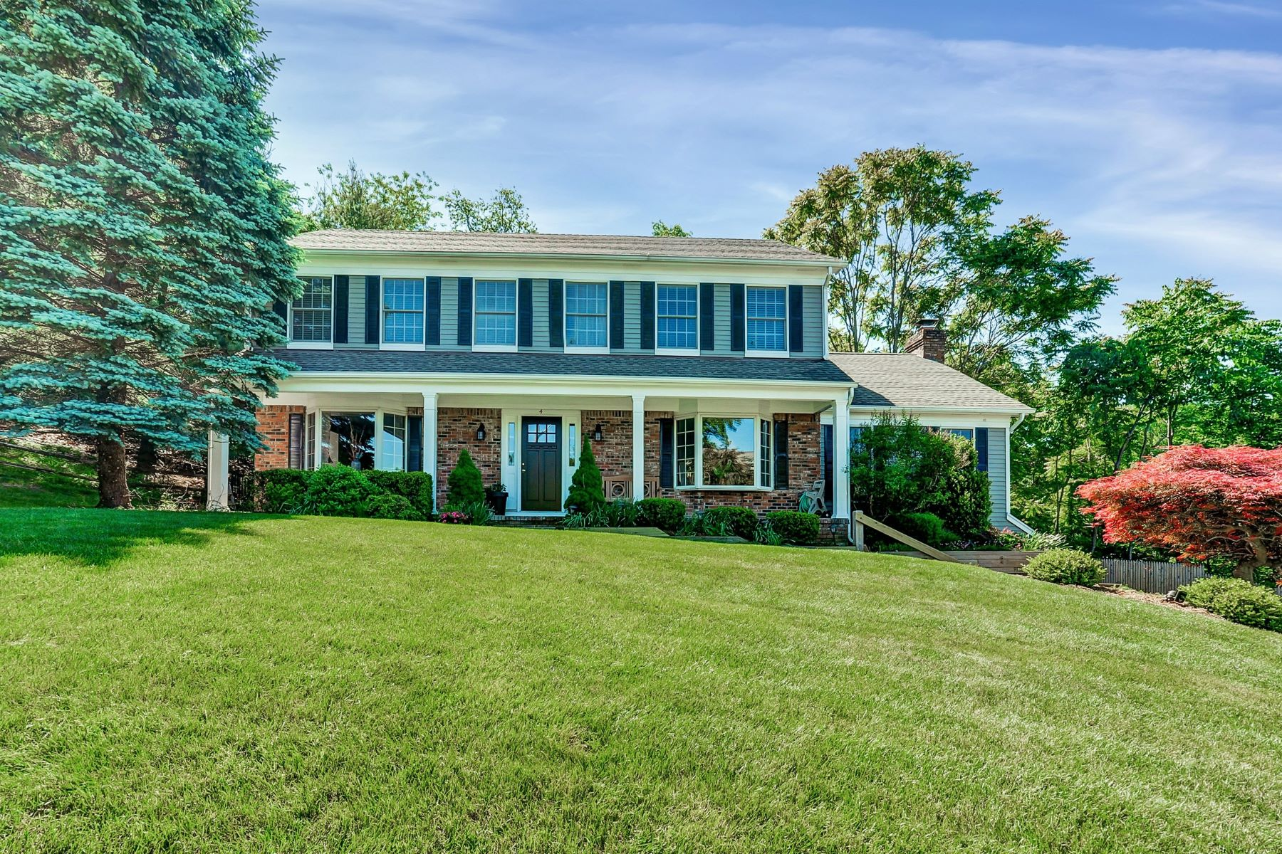 Single Family Home for Sale at Beautiful Chapel Hill Estates Colonial 4 Mountain Lakes Road Oakland, New Jersey 07436 United States