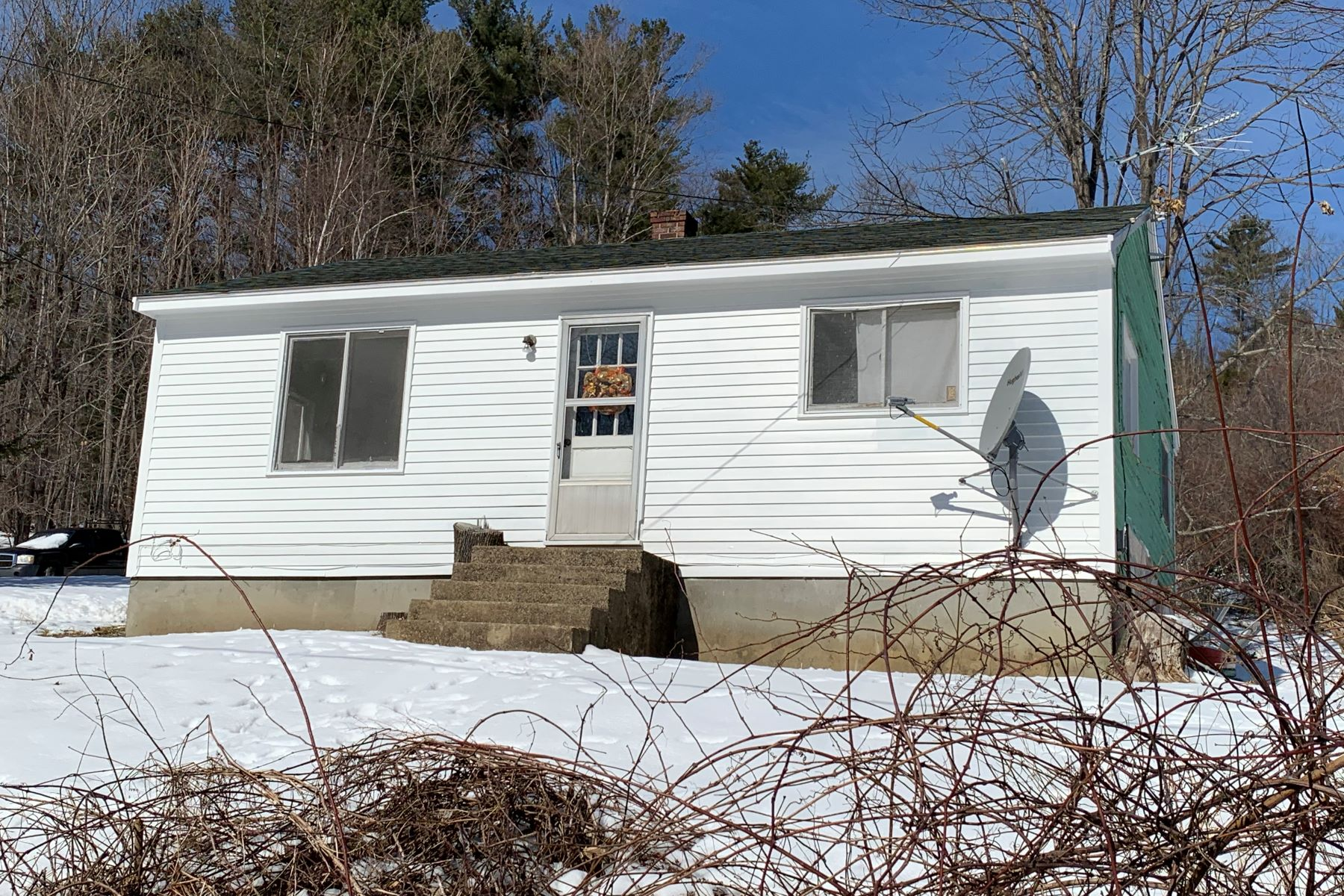 Single Family Homes for Sale at 85 Holt Road Lyndeborough, New Hampshire 03082 United States
