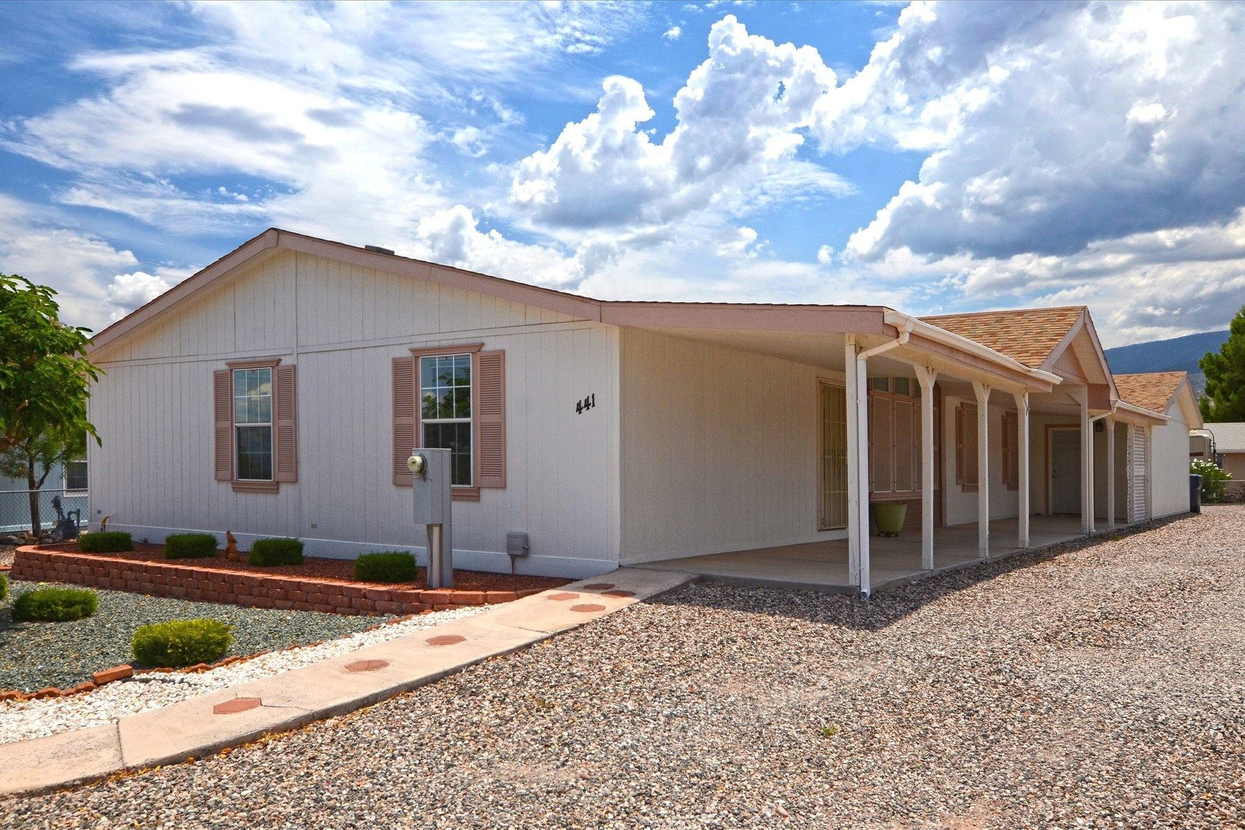 Single Family Homes for Active at Immaculate Modular Home 441 Celestial Drive Clarkdale, Arizona 86324 United States