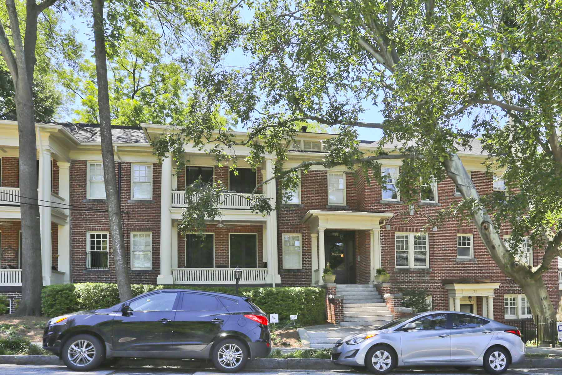 Condominiums for Sale at Renovated Historical Charm in Ansley Park 75 17th St 7 Atlanta, Georgia 30309 United States