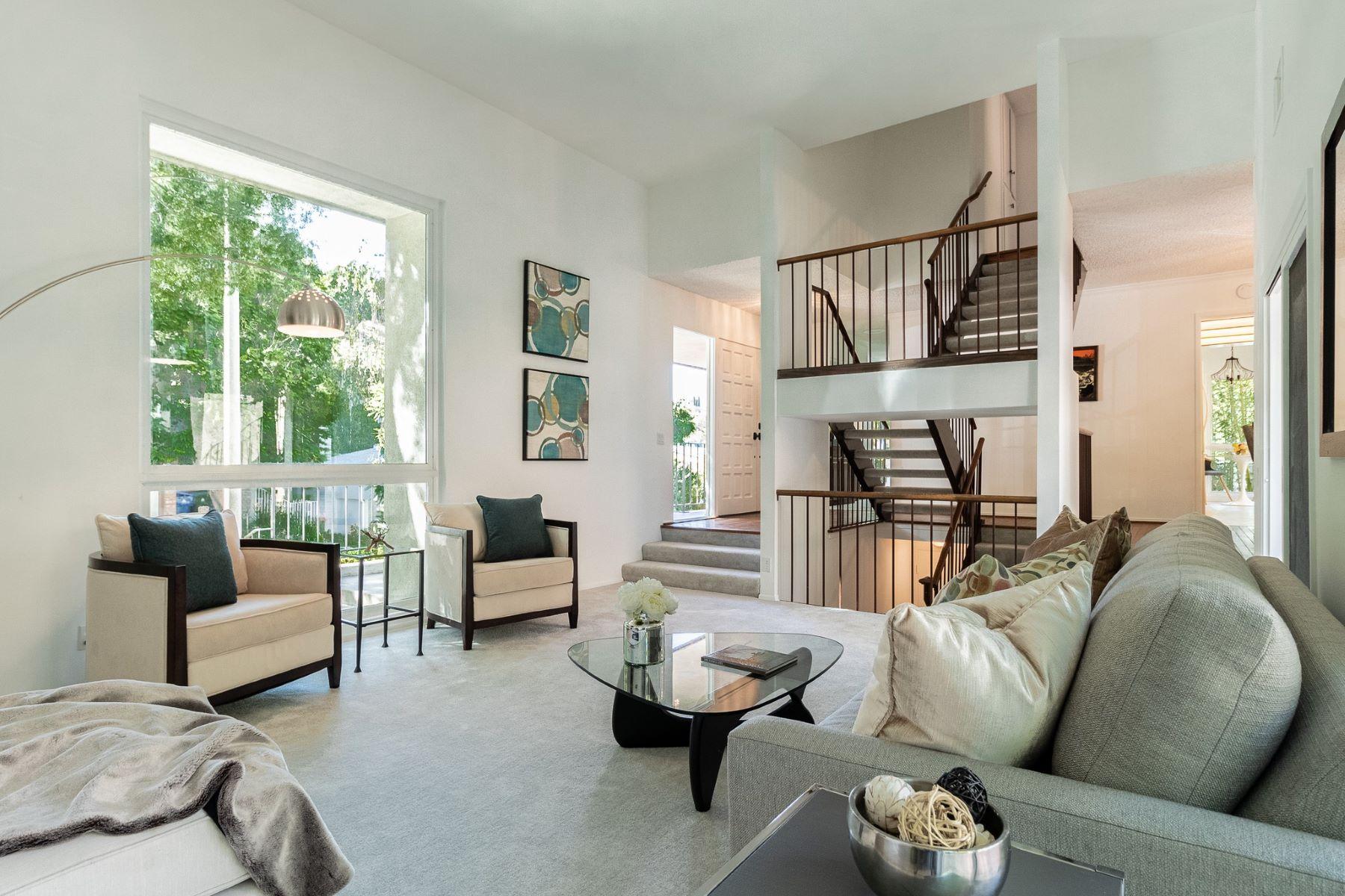 Single Family Homes for Sale at 16986 Escalon Drive Encino, California 91436 United States