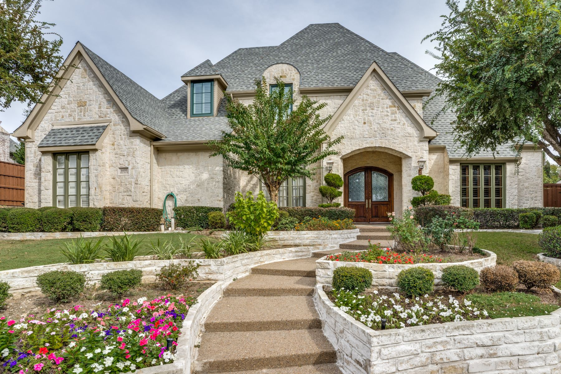 Single Family Homes for Sale at Elegant custom home 6600 Trail Bluff Plano, Texas 75024 United States