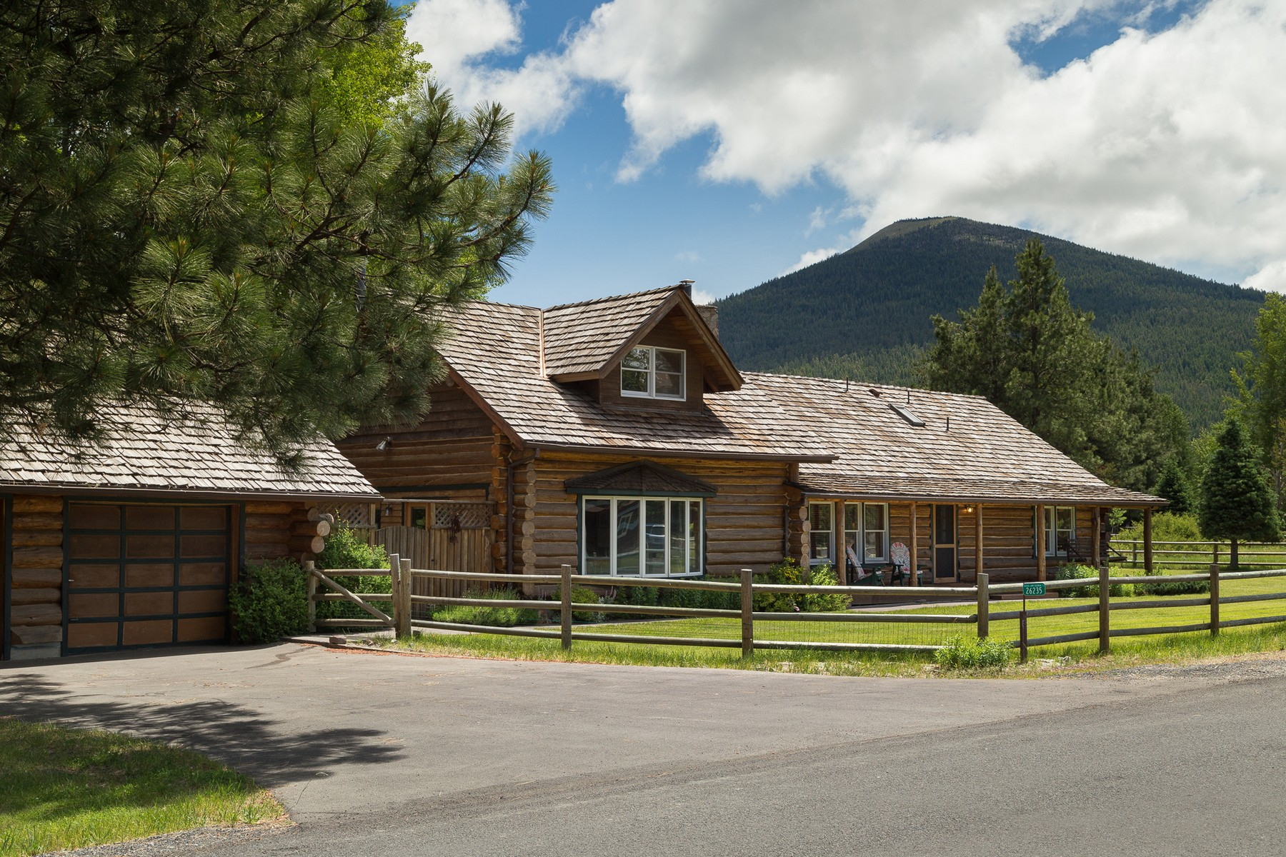 Single Family Homes for Active at 26235 SW Metolius Meadows Drive Camp Sherman, OR 26235 Metolius Meadows Dr Camp Sherman, Oregon 97730 United States