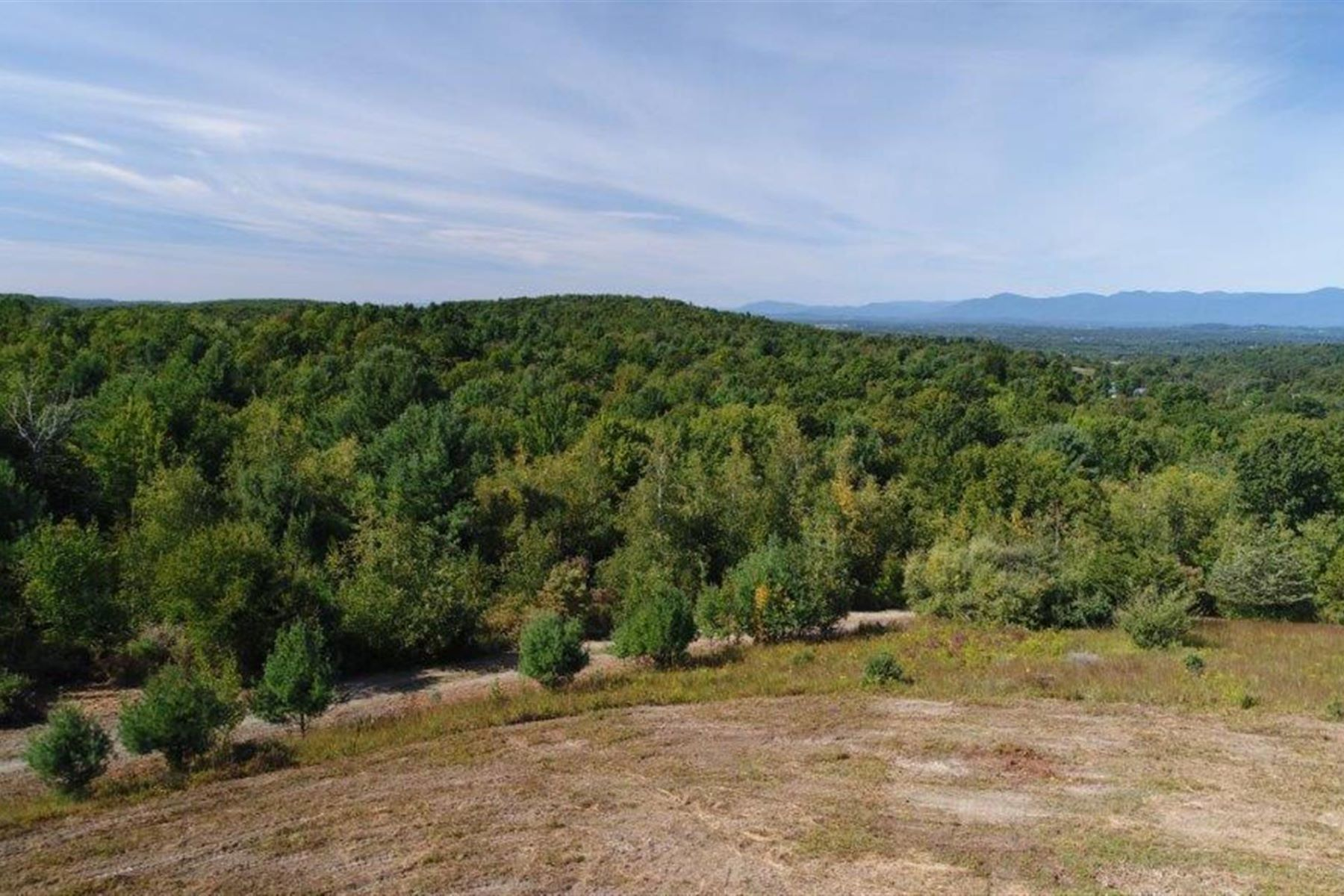 Additional photo for property listing at Hilltop Preserve 222 Miller Road Claverack, New York 12513 Stati Uniti