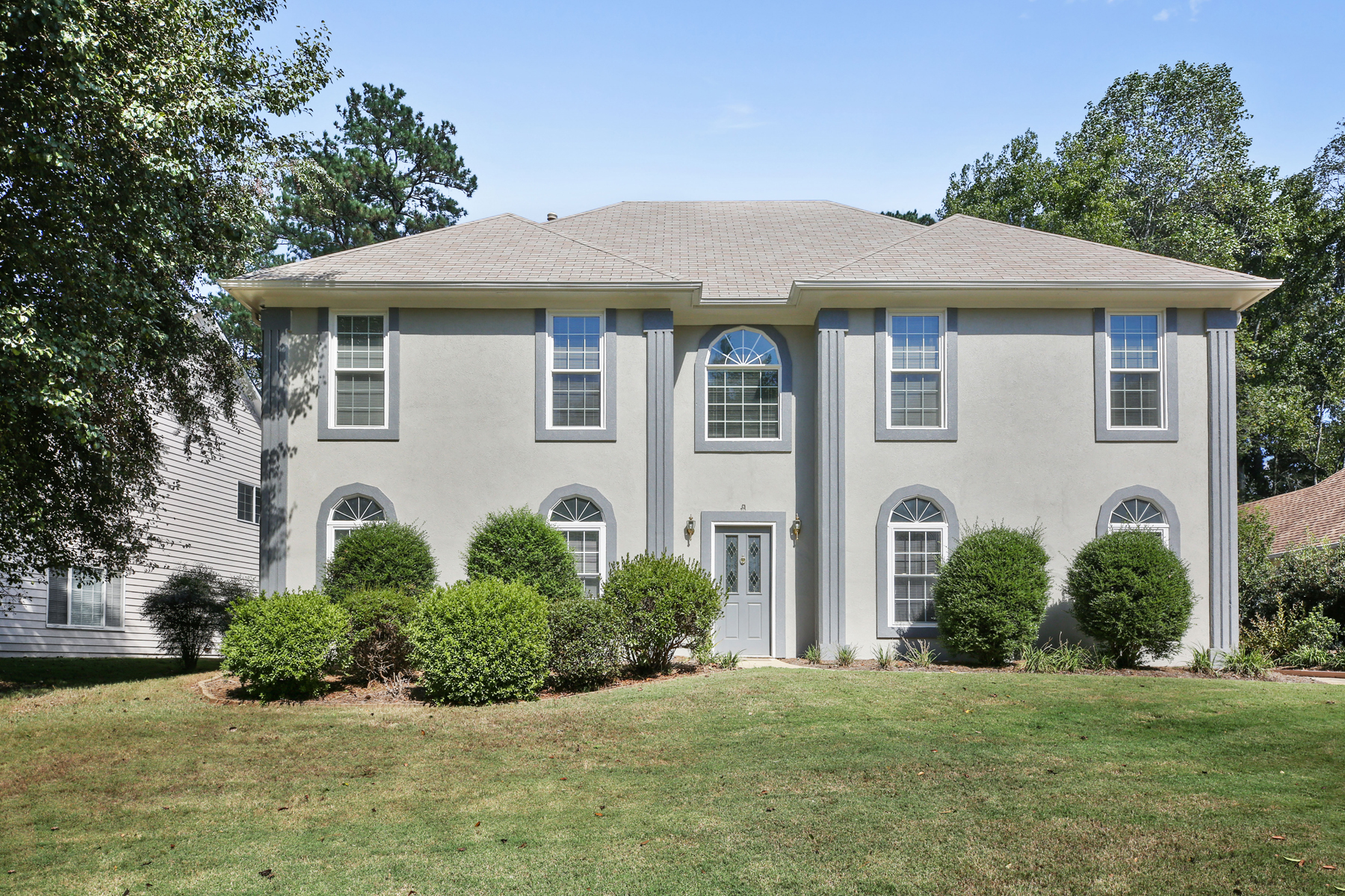 Single Family Home for Sale at Move-In Ready Alpharetta Home 11785 Aspen Forest Dr Alpharetta, Georgia 30005 United States