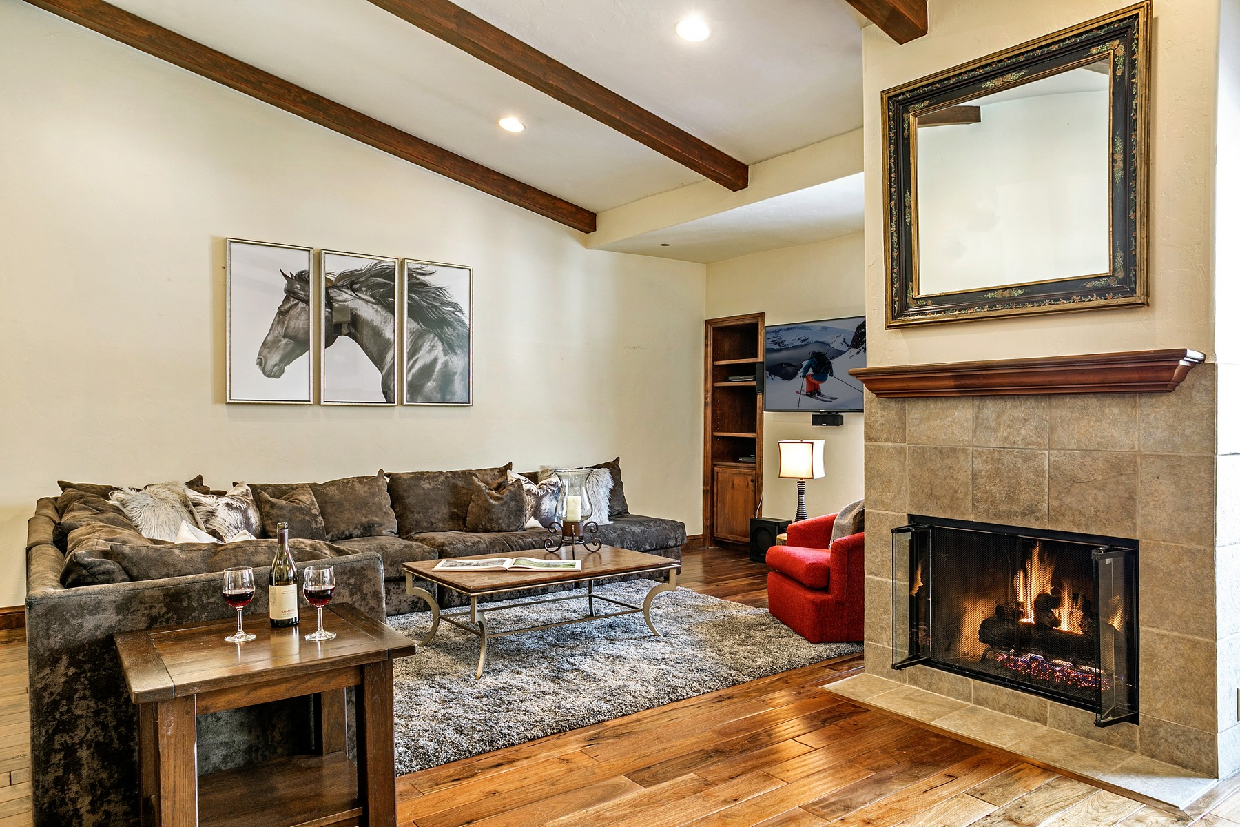 Condominium for Sale at Mountain Haus 685 292 E Meadow Dr, #685, Vail Village, Vail, Colorado, 81657 United States