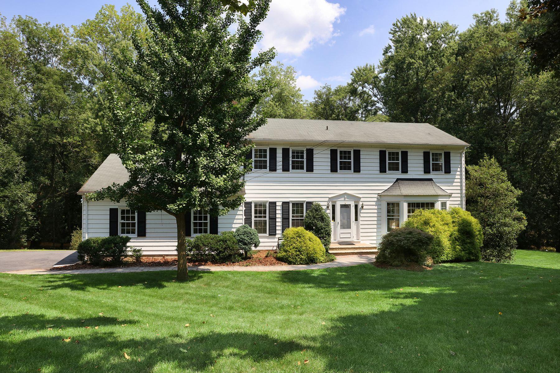 獨棟家庭住宅 為 出售 在 A Home That Celebrates Nature 32 Cleveland Circle, Skillman, 新澤西州 08558 美國在/周邊: Montgomery Township