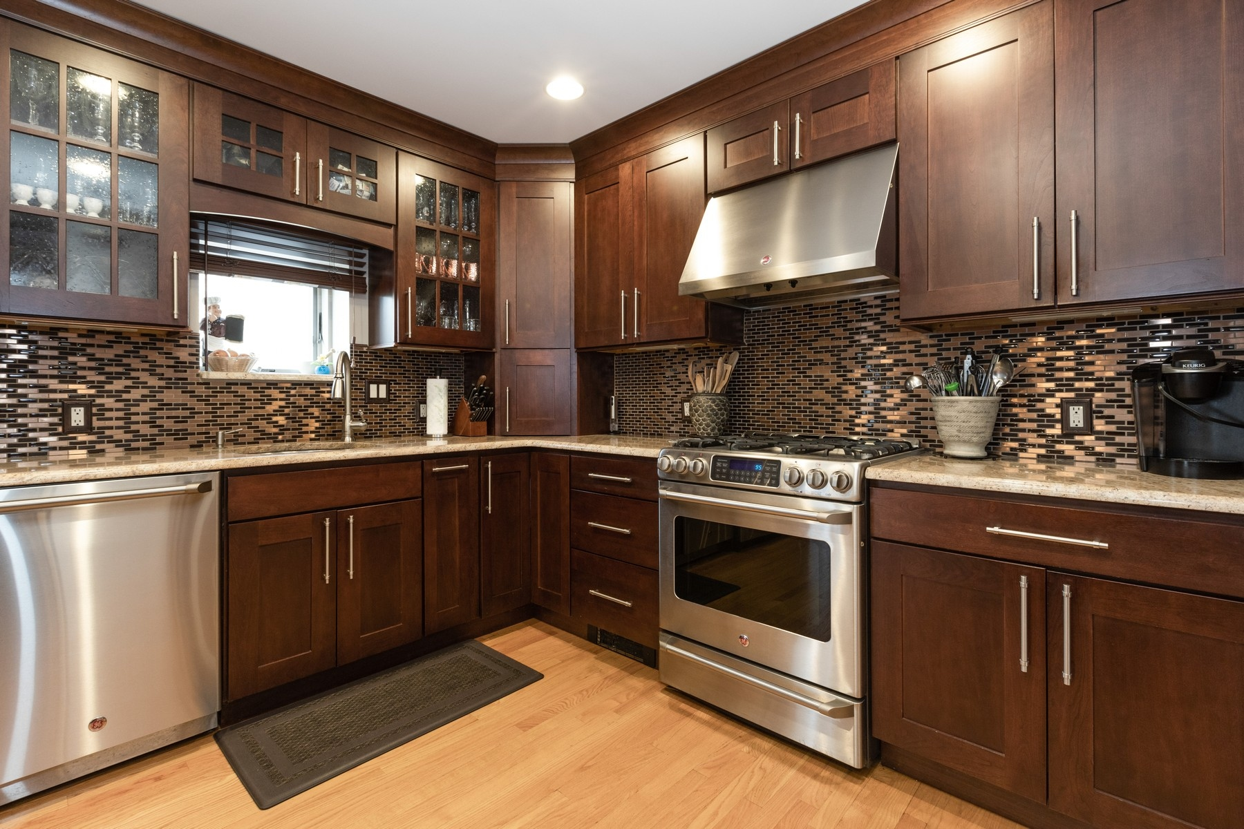 Additional photo for property listing at Open Concept 31 Pierce Ave, Cresskill, 新泽西州 07626 美国