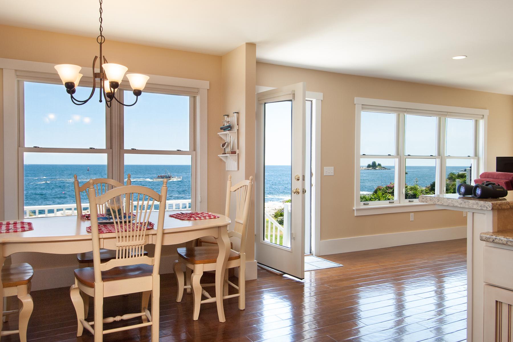 Maison unifamiliale pour l Vente à 5 Salt Pond Point Bristol, Maine, 04554 États-Unis