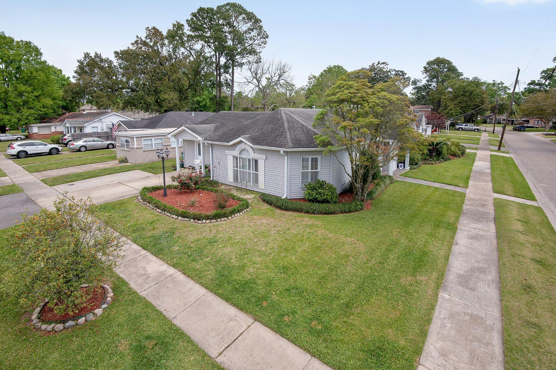 Single Family Homes voor Verkoop op 901 S Dilton Avenue River Ridge, Louisiana 70123 Verenigde Staten
