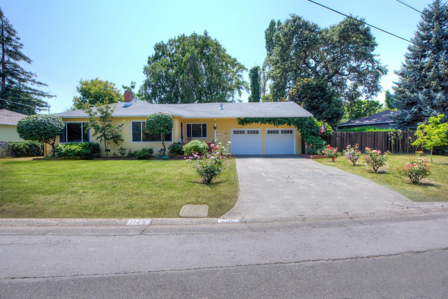 Maison unifamiliale pour l Vente à Charming Home in Downtown Novato 1149 Court Road Novato, Californie, 94945 États-Unis