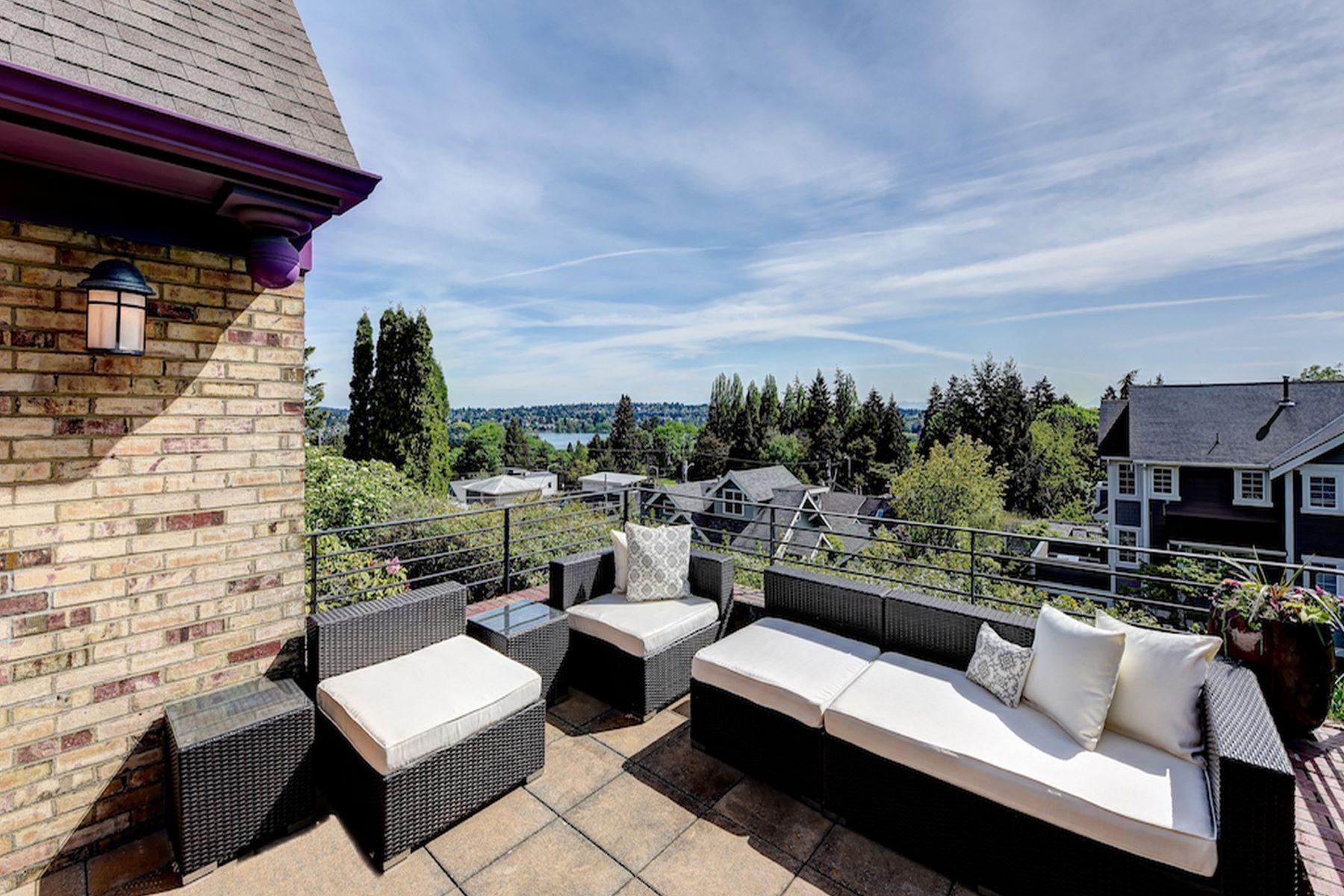 Additional photo for property listing at Renovated Woodland Park Craftsman 5907 Linden Ave N Seattle, Washington 98103 United States