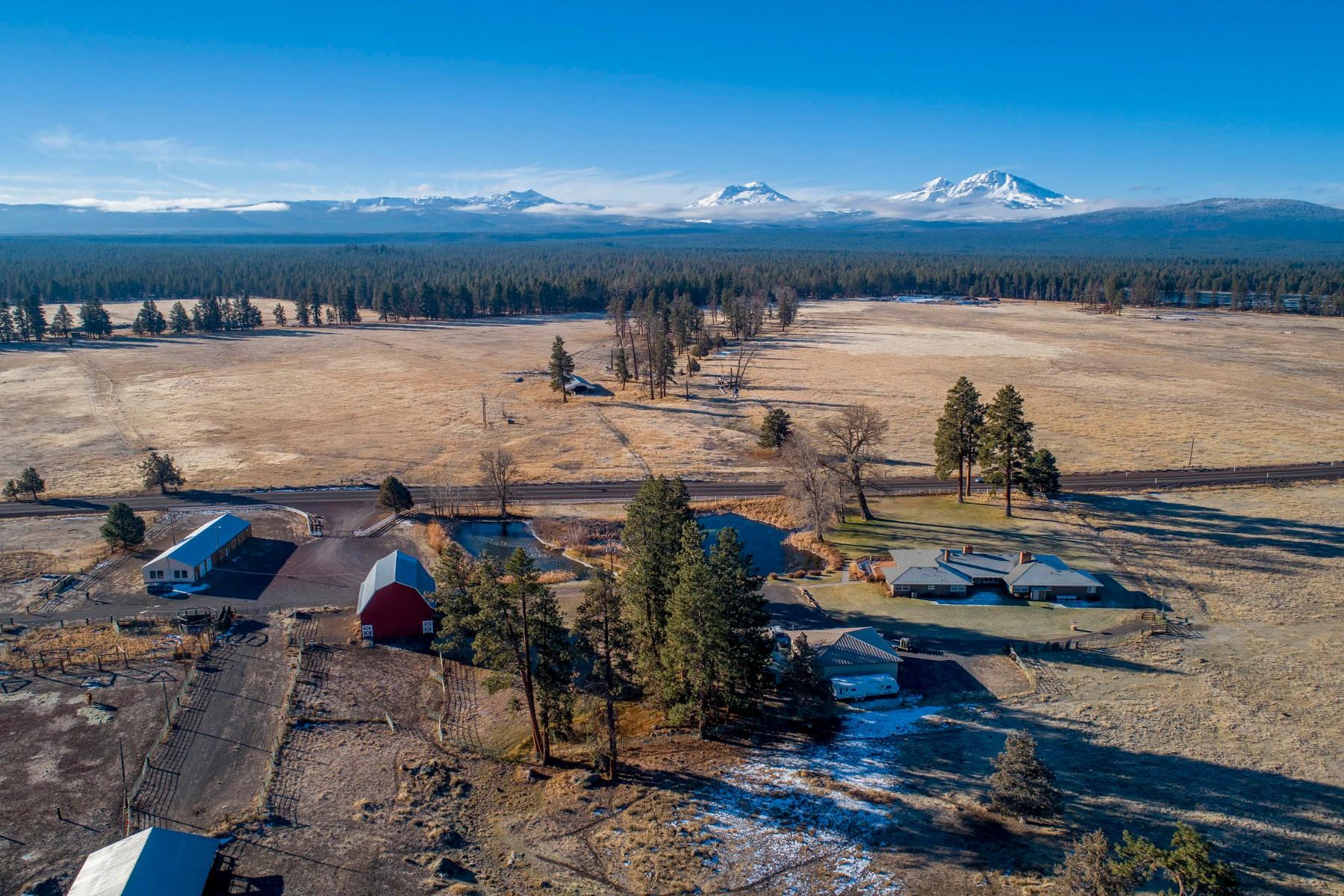 Single Family Homes pour l Vente à Lazy Z Ranch - Sisters, OR 68540 Hwy 20, Sisters, Oregon 97759 États-Unis