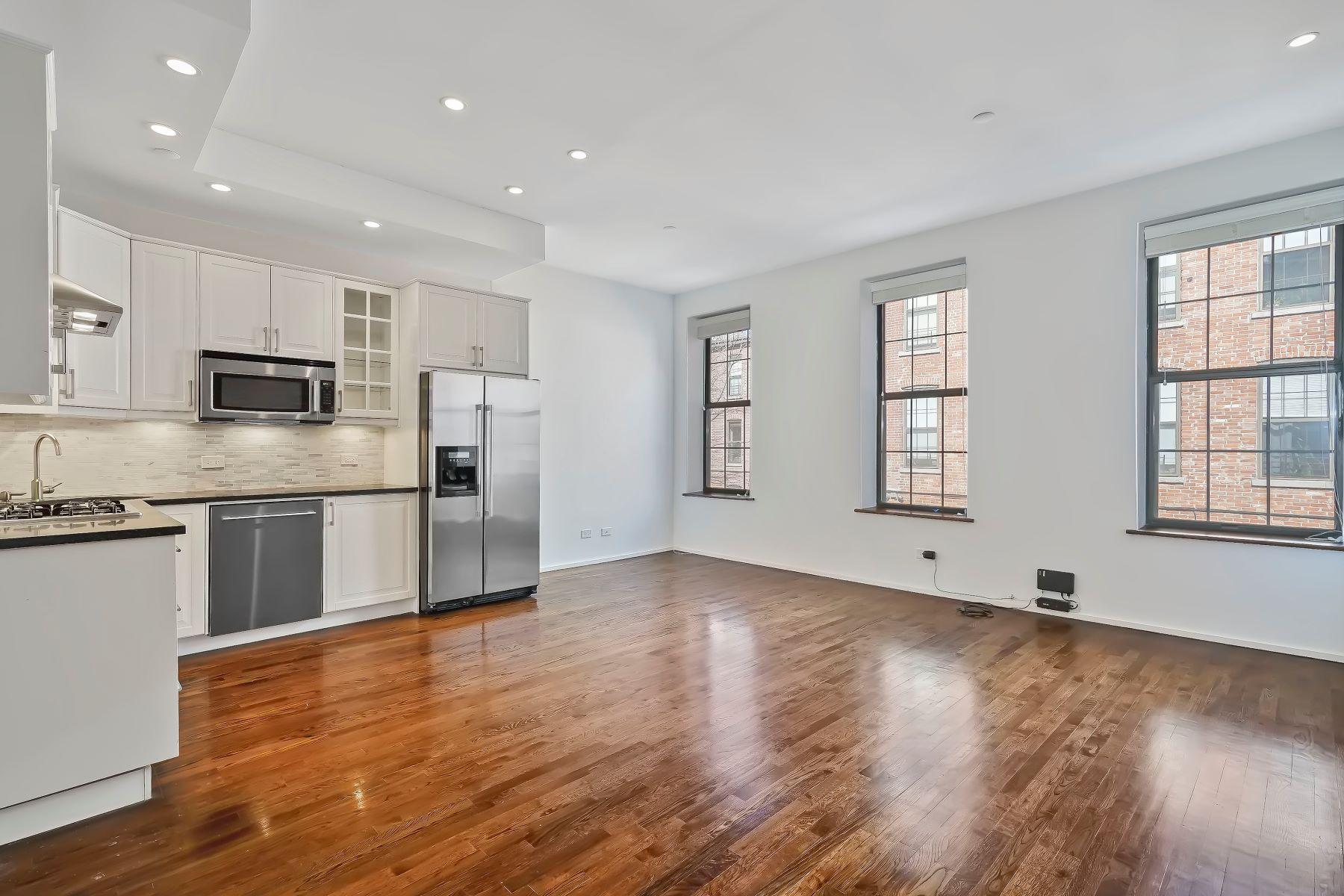 Condominiums por un Venta en Times Plaza Condominium 560 State Street 9C Brooklyn, Nueva York 11217 Estados Unidos