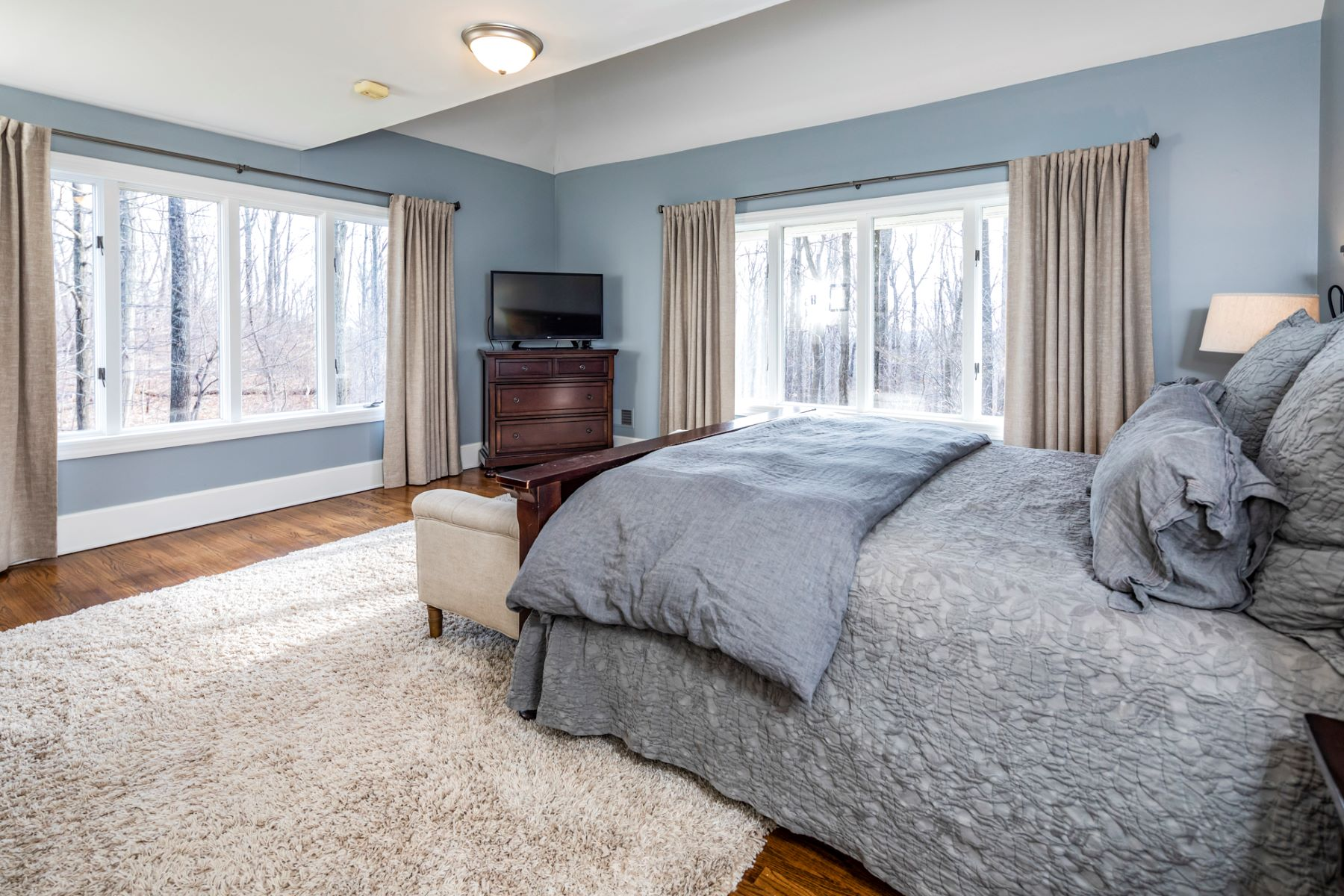 Additional photo for property listing at Free-flowing, Youthful Design 29 Crusher Road, Hopewell, New Jersey 08525 United States
