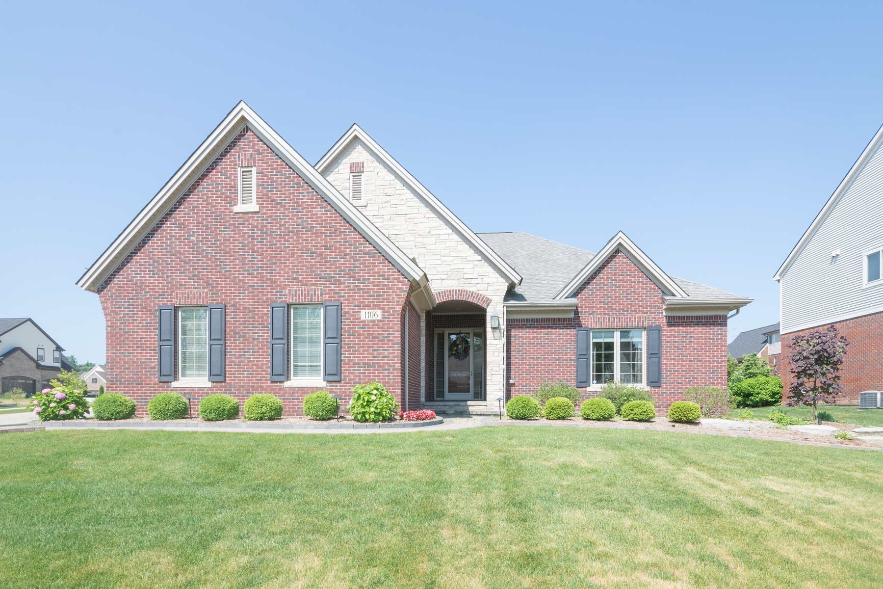 Single Family Homes for Sale at Rochester Hills 1106 Pembroke Court Rochester Hills, Michigan 48307 United States