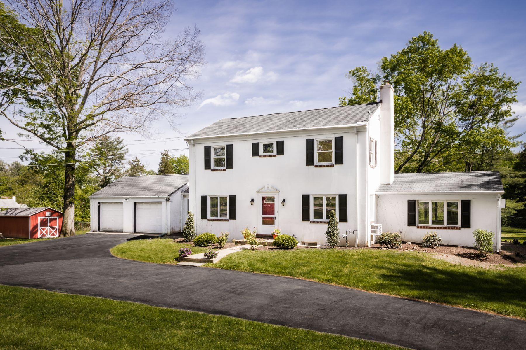 独户住宅 为 销售 在 A Beautiful Setting At Princeton's Edge - Lawrence Township 639 Rosedale Road 普林斯顿, 新泽西州, 08540 美国