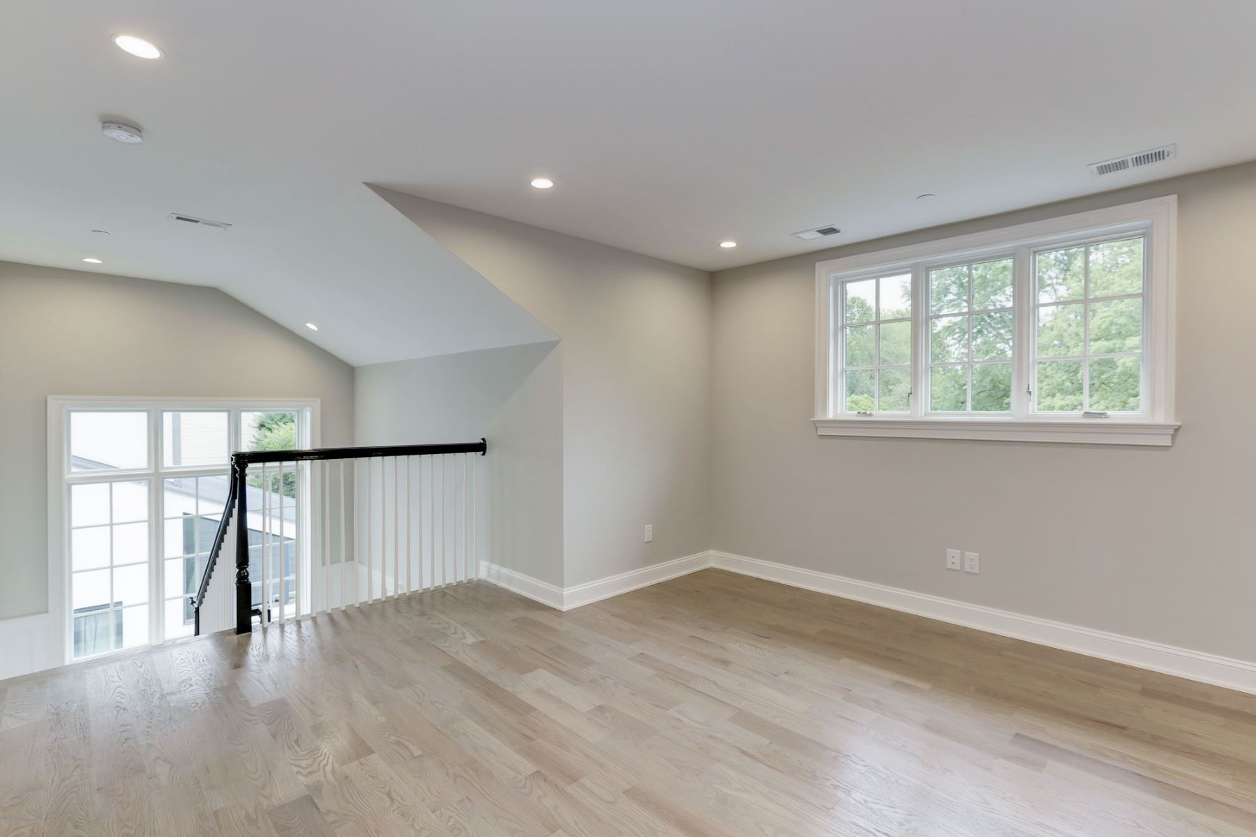 Additional photo for property listing at  Chevy Chase, Maryland 20815 Verenigde Staten