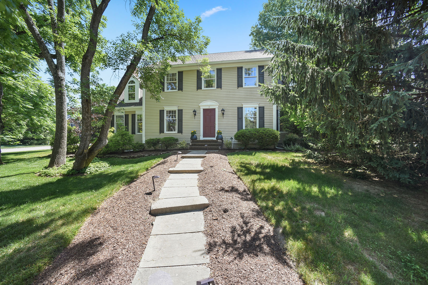 Single Family Homes for Active at Stately Colonial 16 Devonshire Lane Mendham, New Jersey 07945 United States