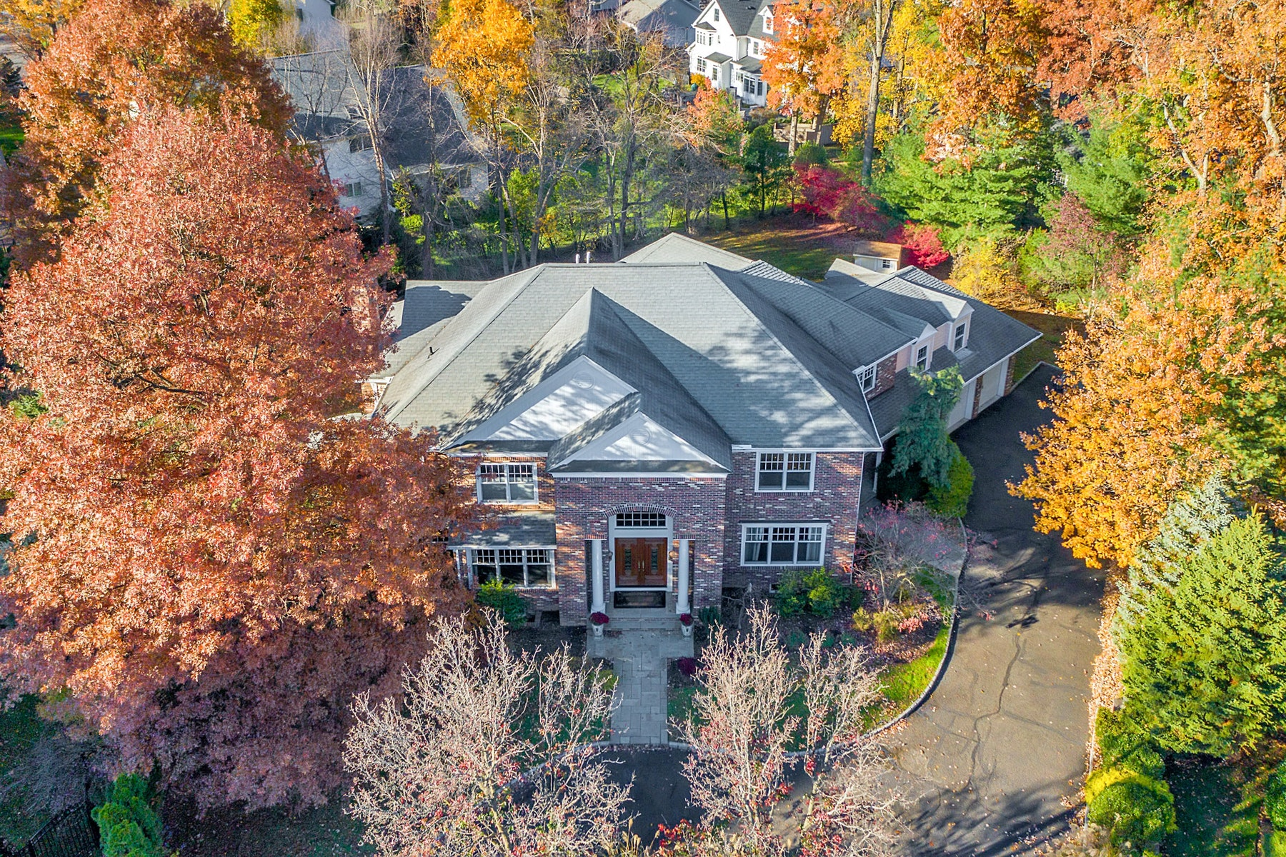 Single Family Homes per Vendita alle ore Magnificent Custom Colonial 910 Bailey Court, Westfield, New Jersey 07090 Stati Uniti