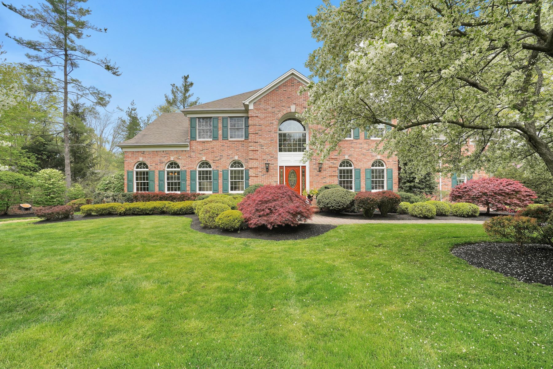 Single Family Homes for Sale at Stately Residence 21 Saint Nickolas Way Basking Ridge, New Jersey 07920 United States