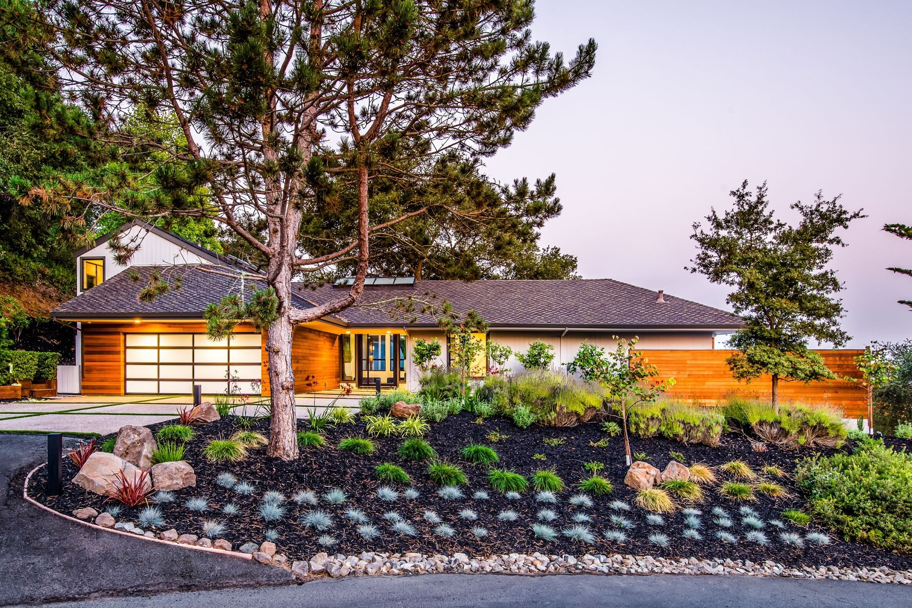 Single Family Homes for Sale at The Best of Sleepy Hollow - Orinda's Finest! 121 Tappan Lane Orinda, California 94563 United States
