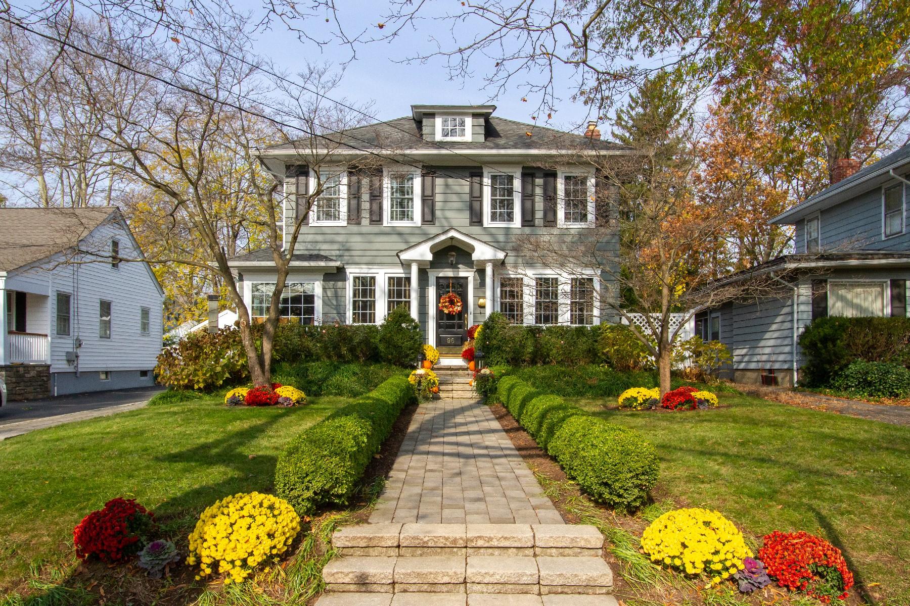 Частный односемейный дом для того Продажа на Red Bank Charmer 96 E Bergen Place, Red Bank, Нью-Джерси 07701 Соединенные Штаты