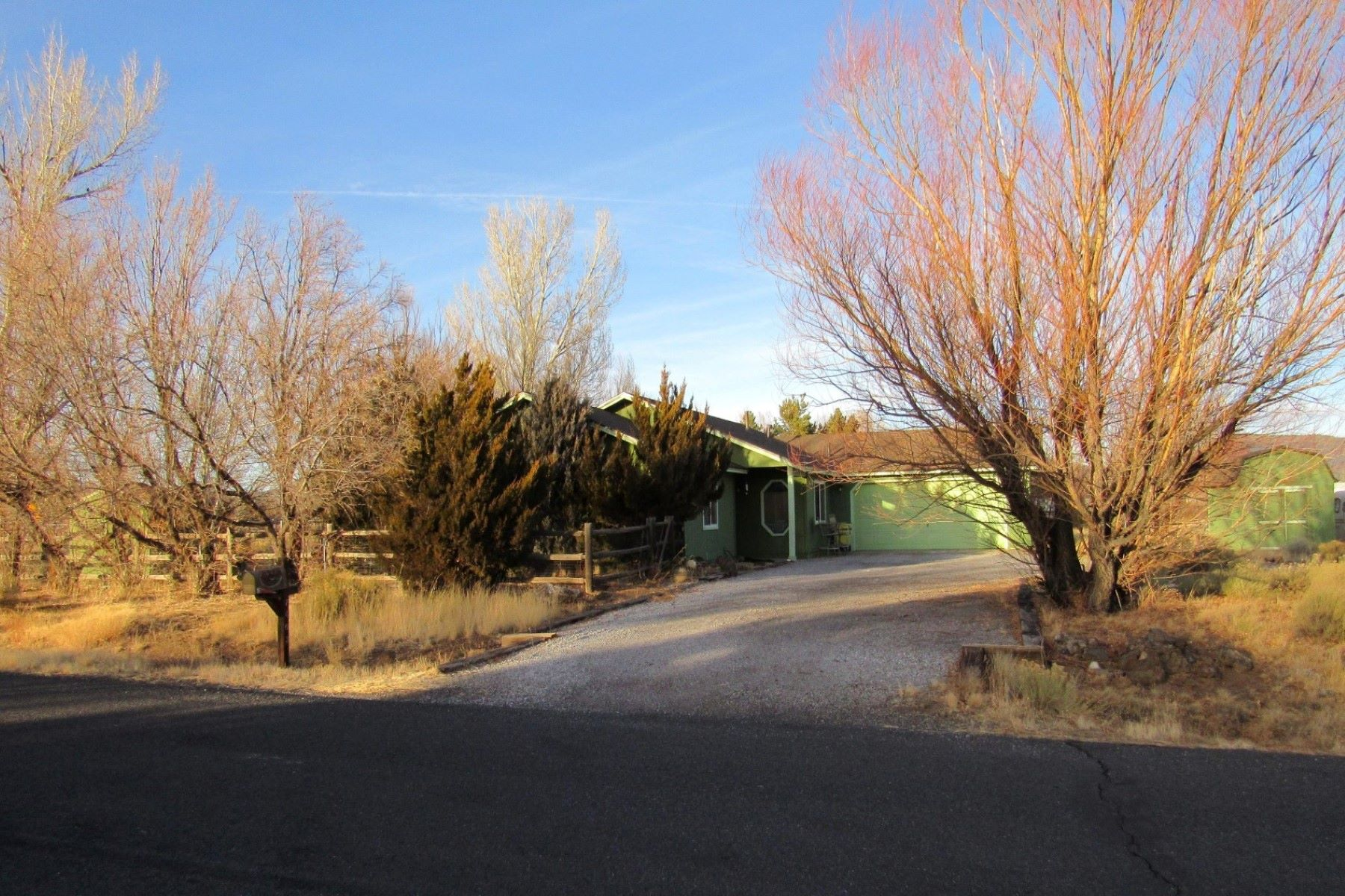 واحد منزل الأسرة للـ Sale في Great Corner lot home 7403 Tradition RD, Flagstaff, Arizona, 86004 United States