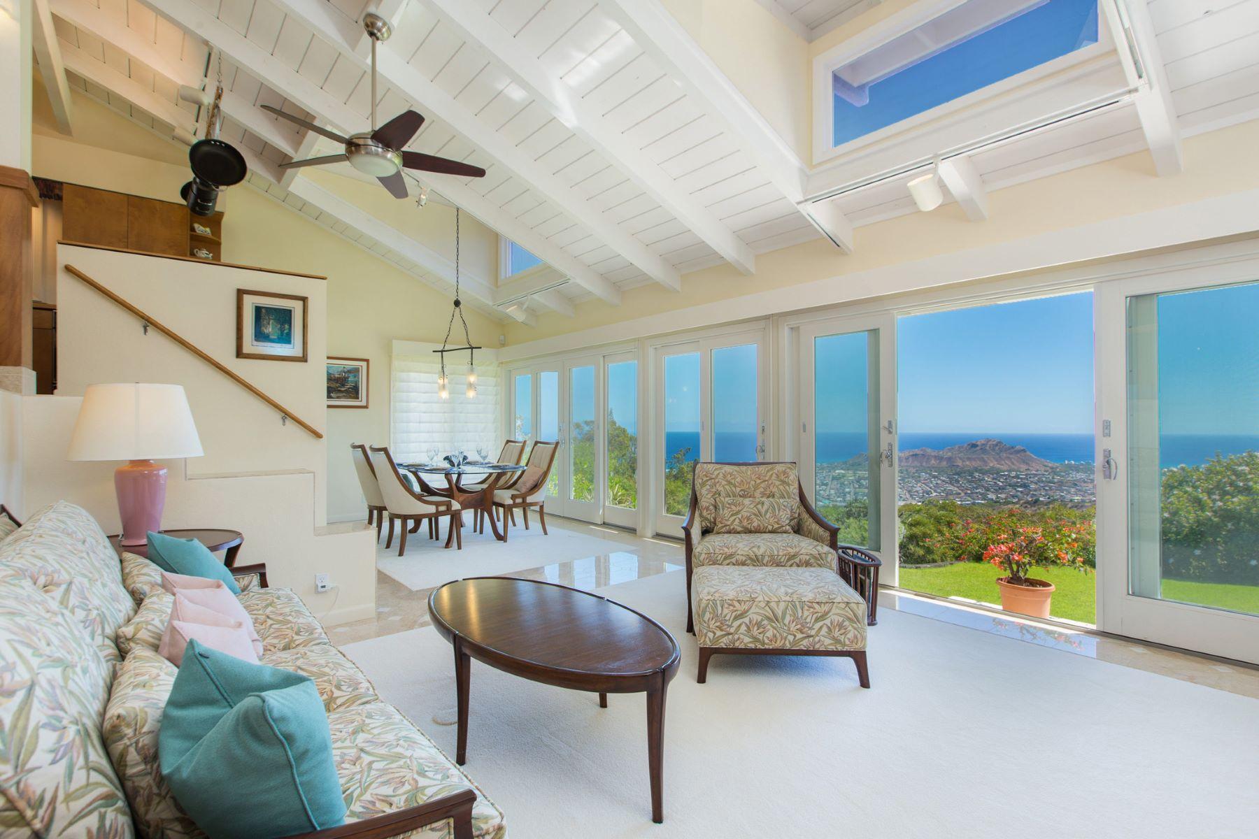 Additional photo for property listing at Honolulu Mountaintop Elegance 2491 Halekoa Drive Honolulu, Hawaii 96821 United States