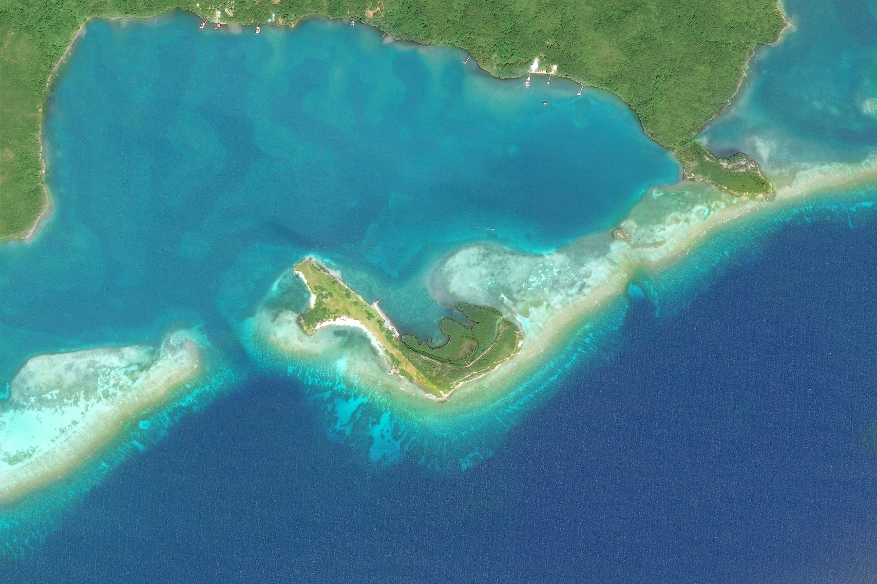 Private Island for Sale at Fort Morgan Cay, a stunning private island Roatan, Bay Islands Honduras