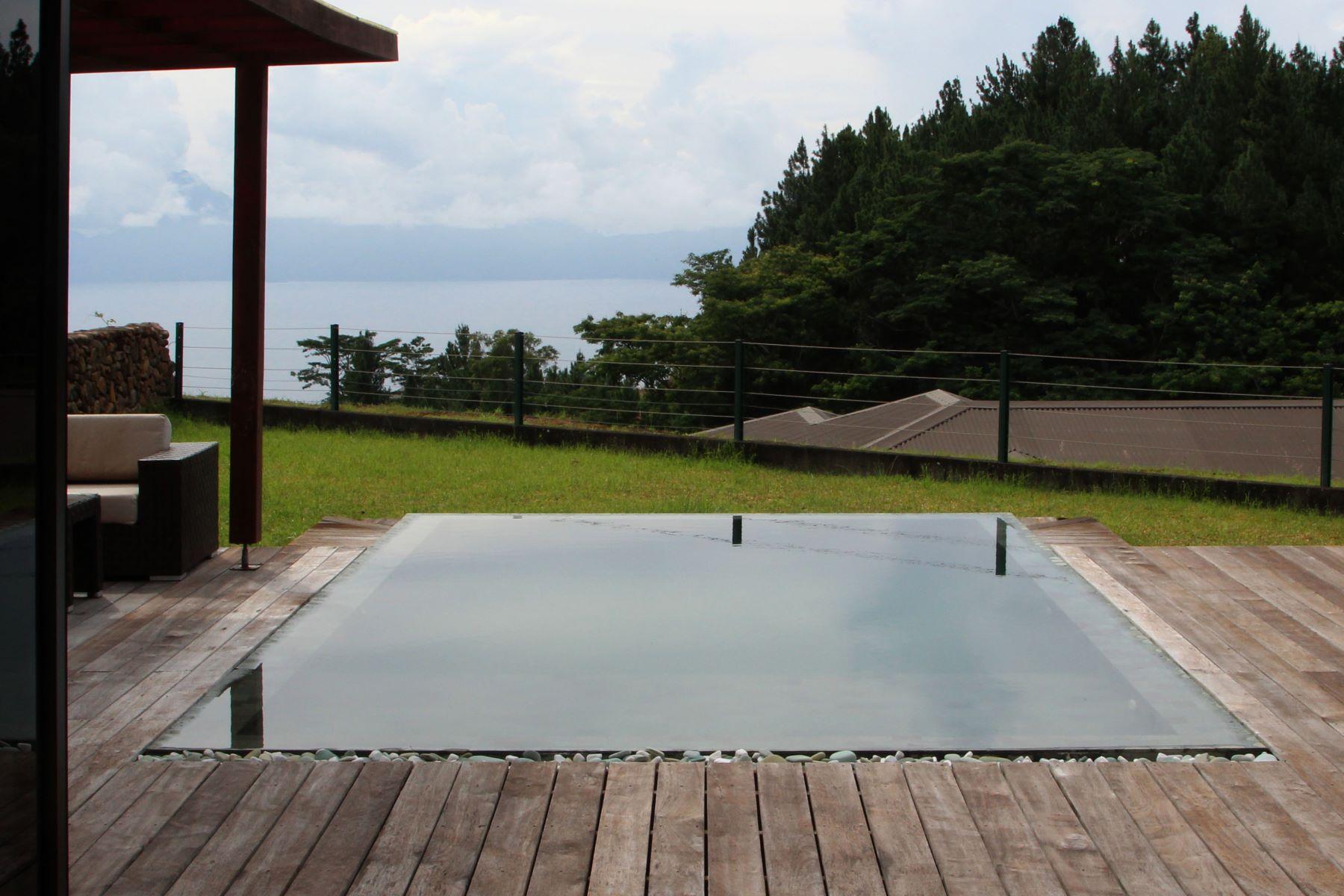 Частный односемейный дом для того Продажа на Modern family home Tahiti, French Polynesia