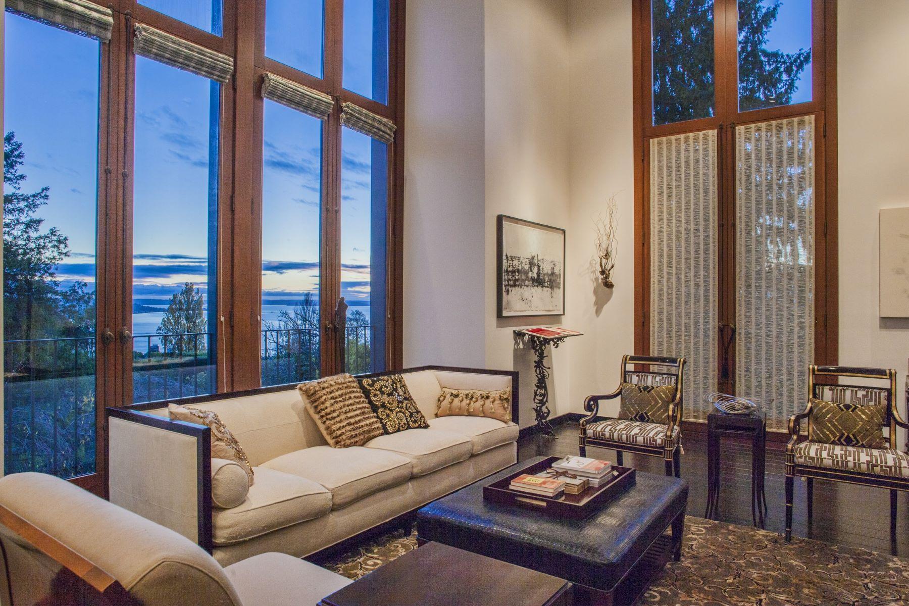 Частный односемейный дом для того Продажа на 1217 Willard Avenue W Seattle, Вашингтон, 98119 Соединенные Штаты