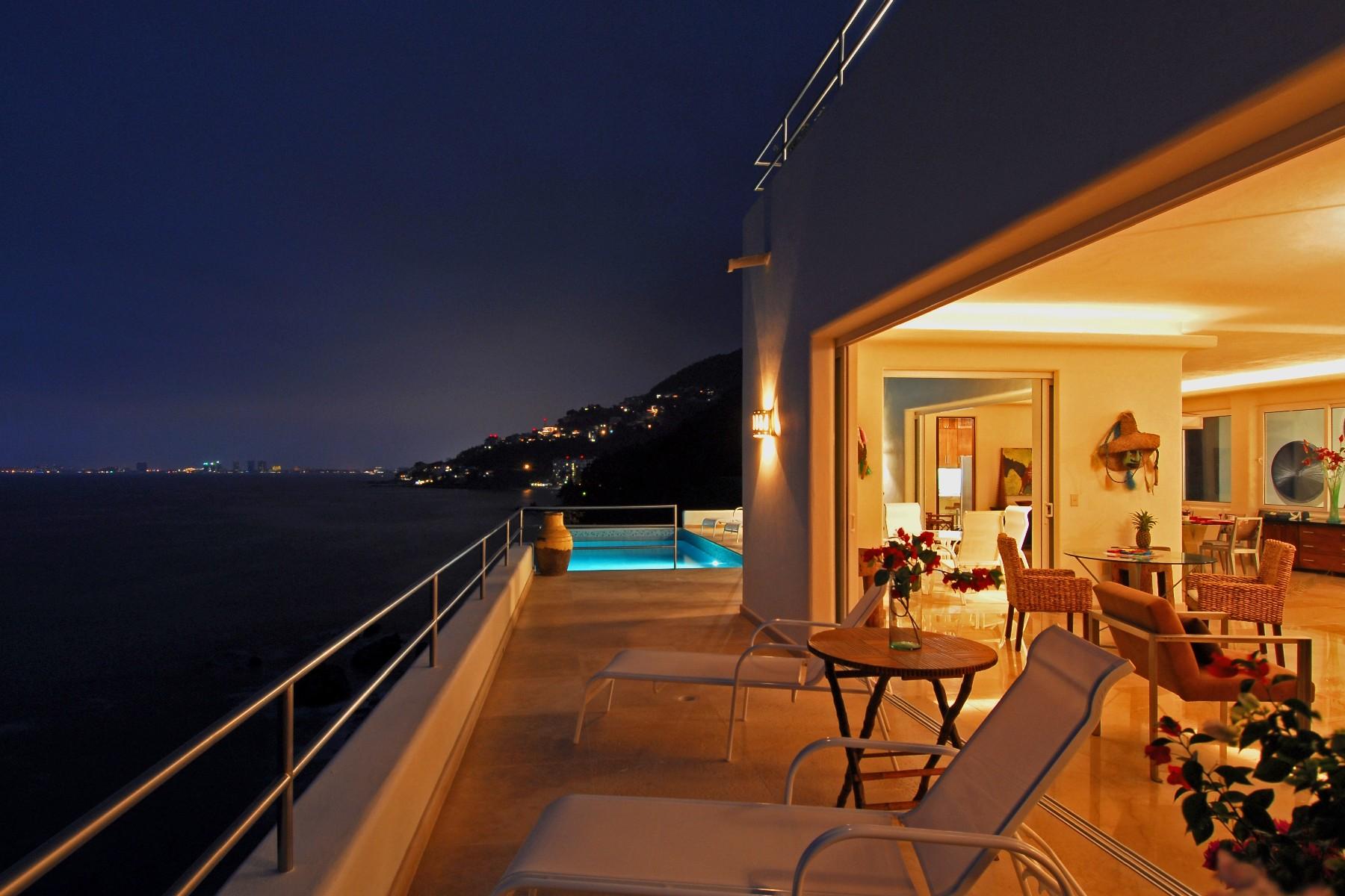 Additional photo for property listing at Villa en Playa Venados, Puerto Vallarta  Puerto Vallarta, Jalisco 48390 Mexico