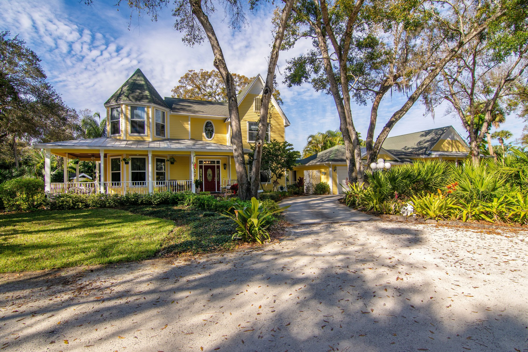 Single Family Home for Sale at Victorian Home With True Southern Charm 5322 16th Street Vero Beach, Florida 32966 United States