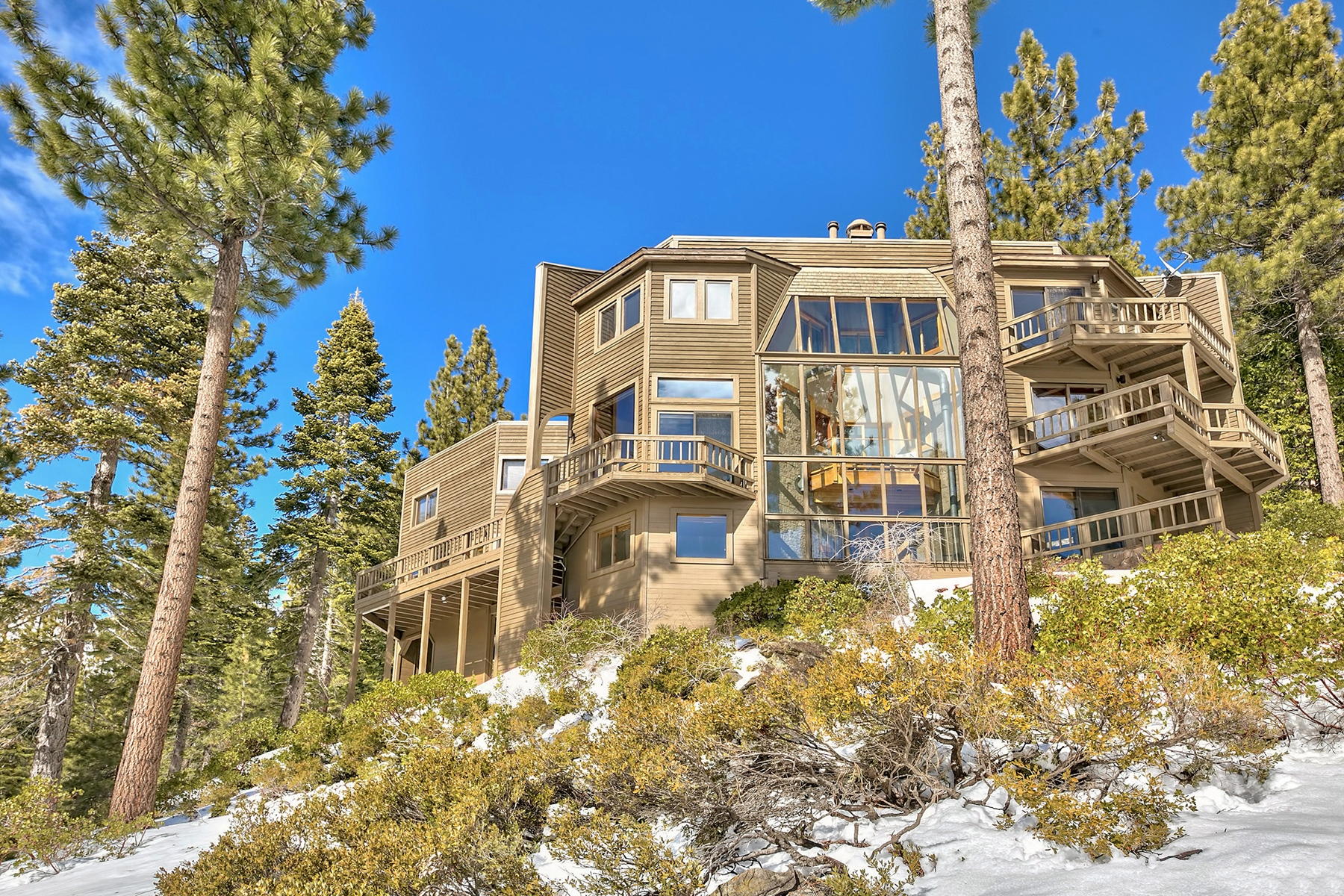 Additional photo for property listing at 638 Fairview Boulevard , Incline Village, Nevada 638 Fairview Boulevard Incline Village, Nevada 89451 United States