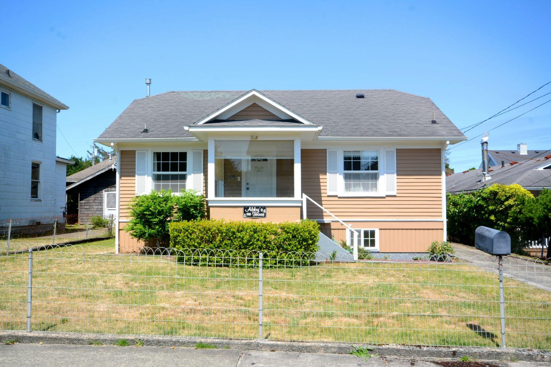 Single Family Homes 為 出售 在 310 10th Avenue Seaside, 俄勒岡州 97138 美國