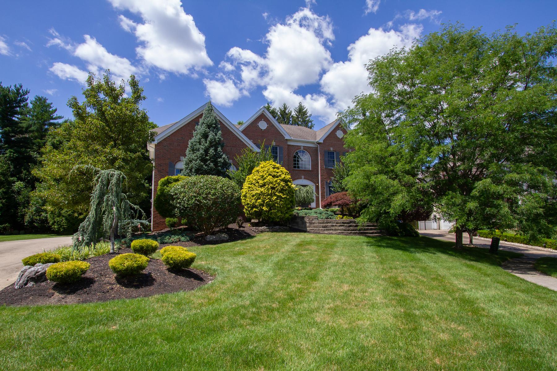 Single Family Homes для того Продажа на Marlboro, Нью-Джерси 07746 Соединенные Штаты