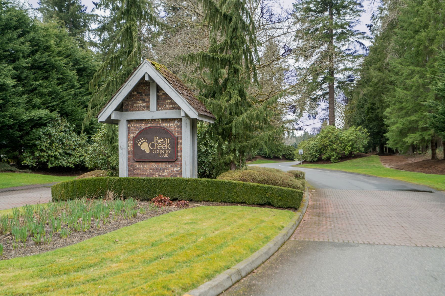 Single Family Home for Sale at Bear Creek Country Club 14239 209th Ave NE Woodinville, Washington 98077 United States