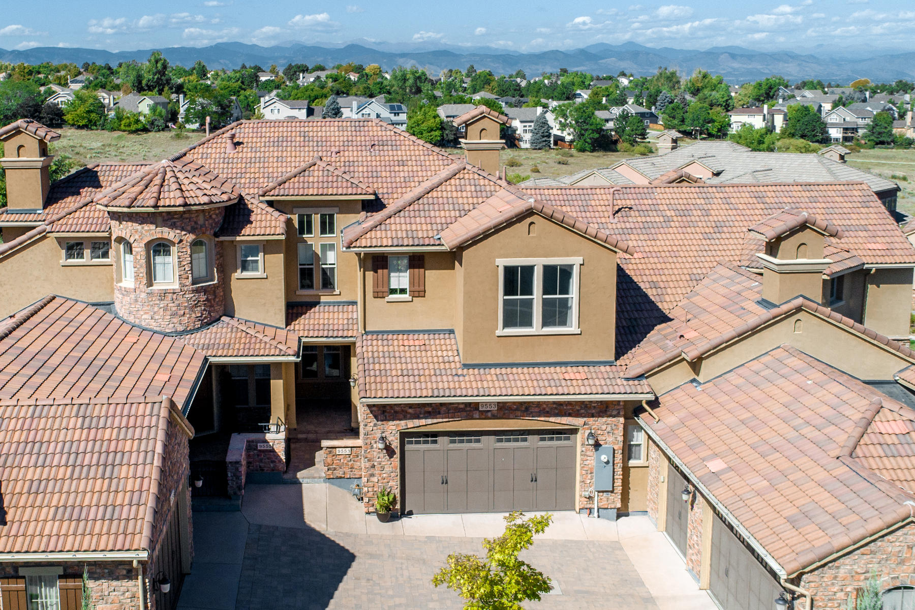 Property for Active at Extensively Upgraded Townhome Enjoys a Contemporary Flair 9553 Firenze Way Highlands Ranch, Colorado 80126 United States