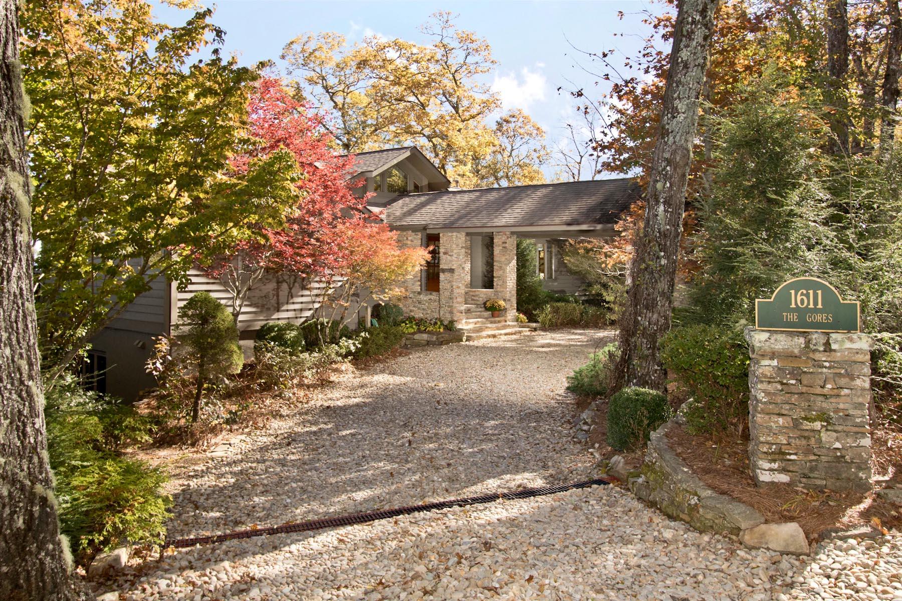 Villa per Vendita alle ore 1611 Big Bear Pen Road 1611 Big Bear Pen Road Highlands, Carolina Del Nord 28741 Stati Uniti